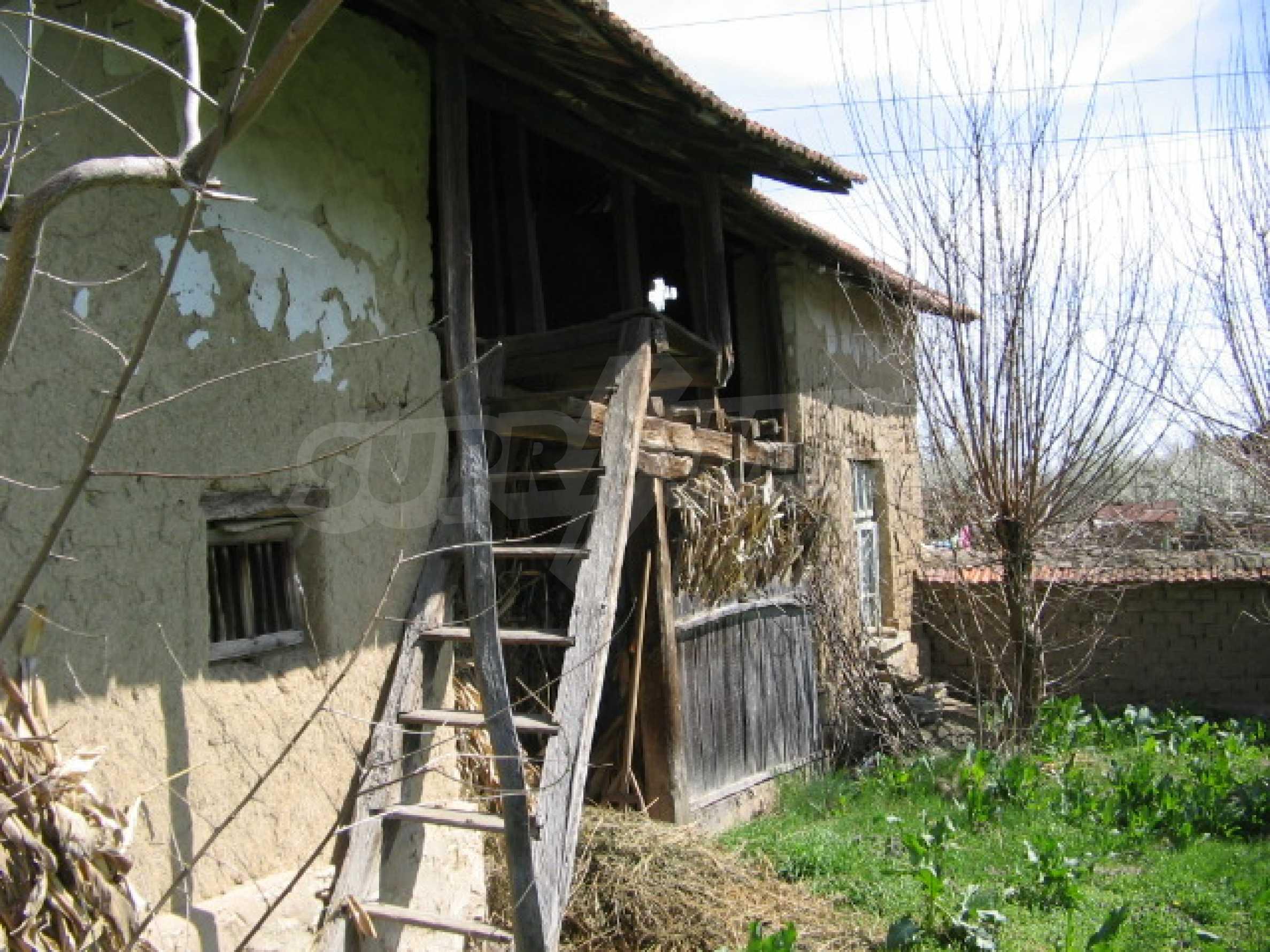 Просторный дом у реки 10