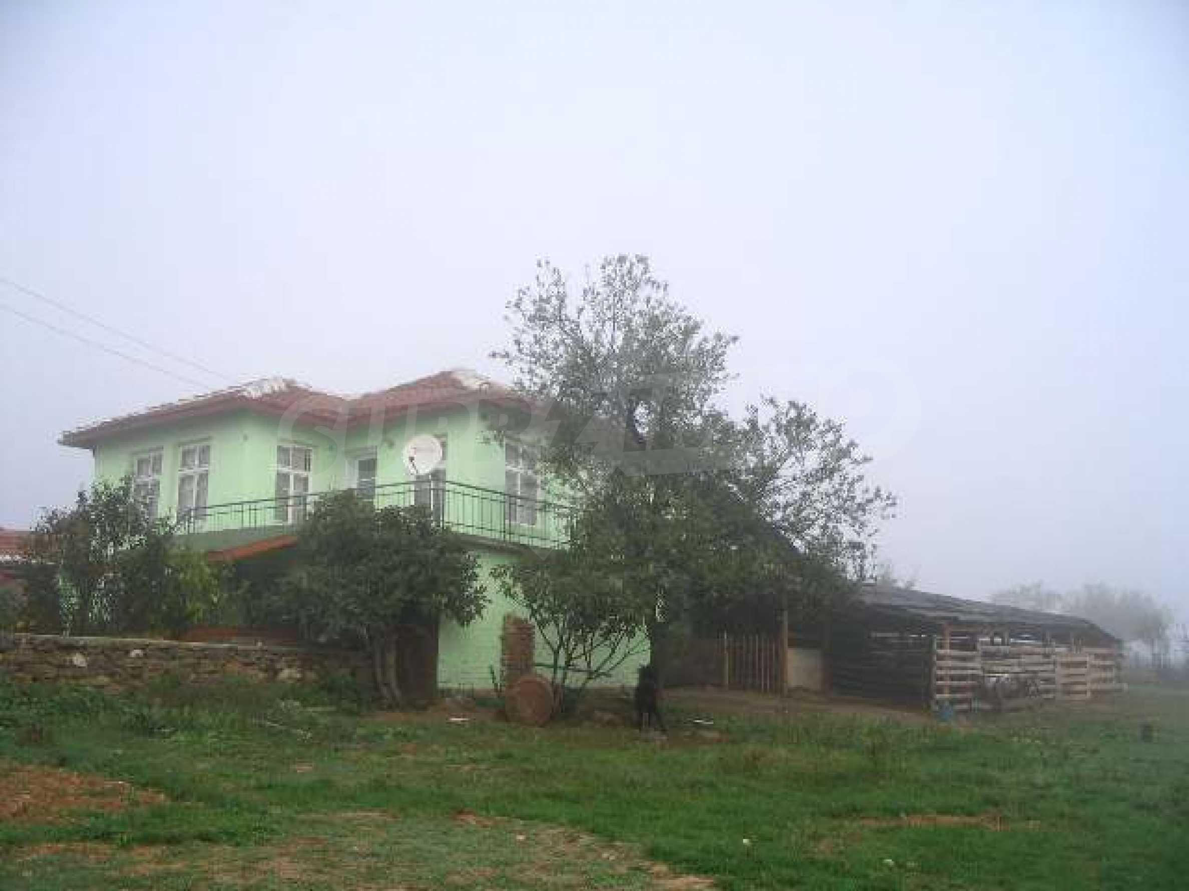 Дом вблизи г. Хасково 2