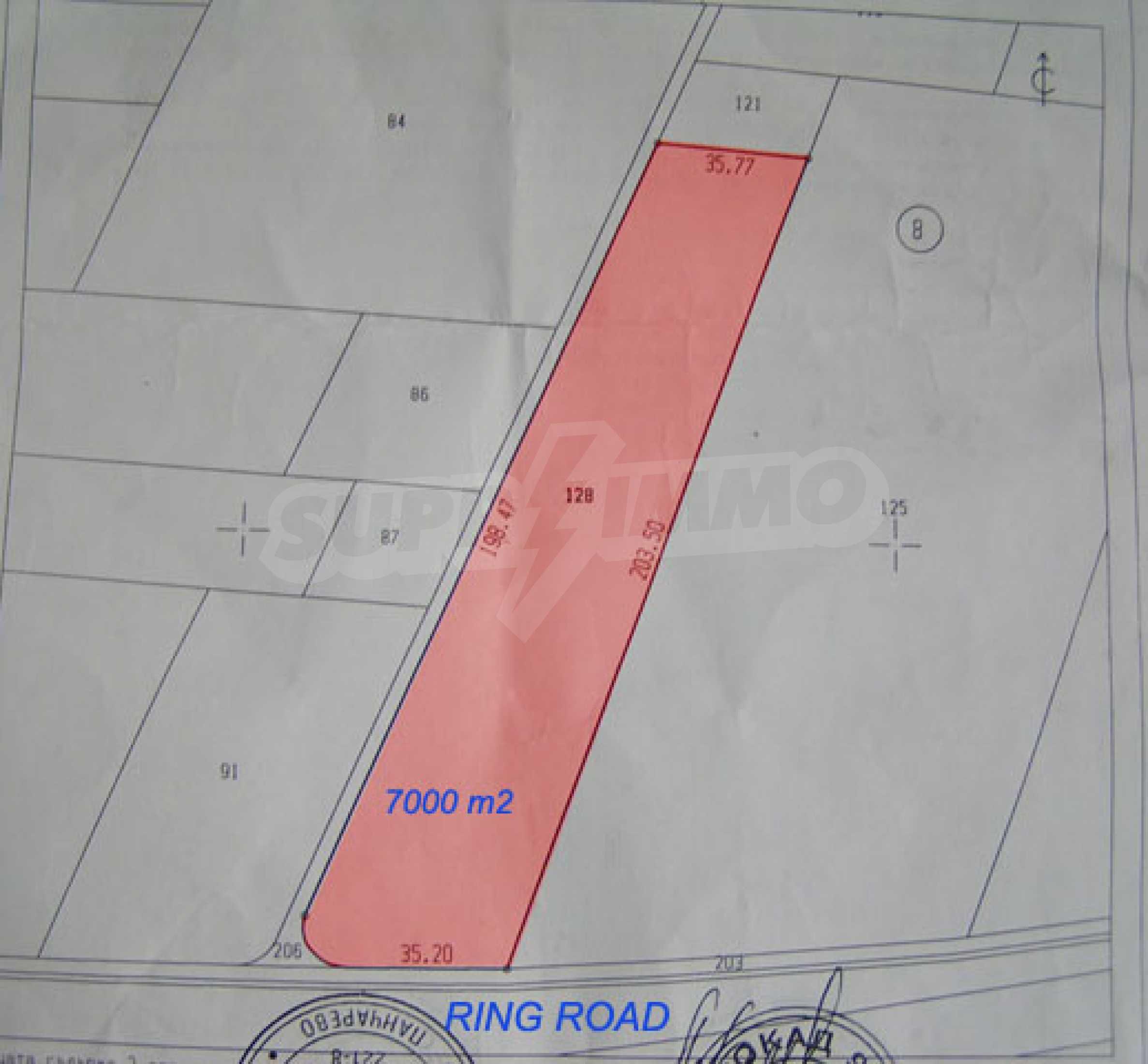 Plot on the ring road just opposite Porsche center 3