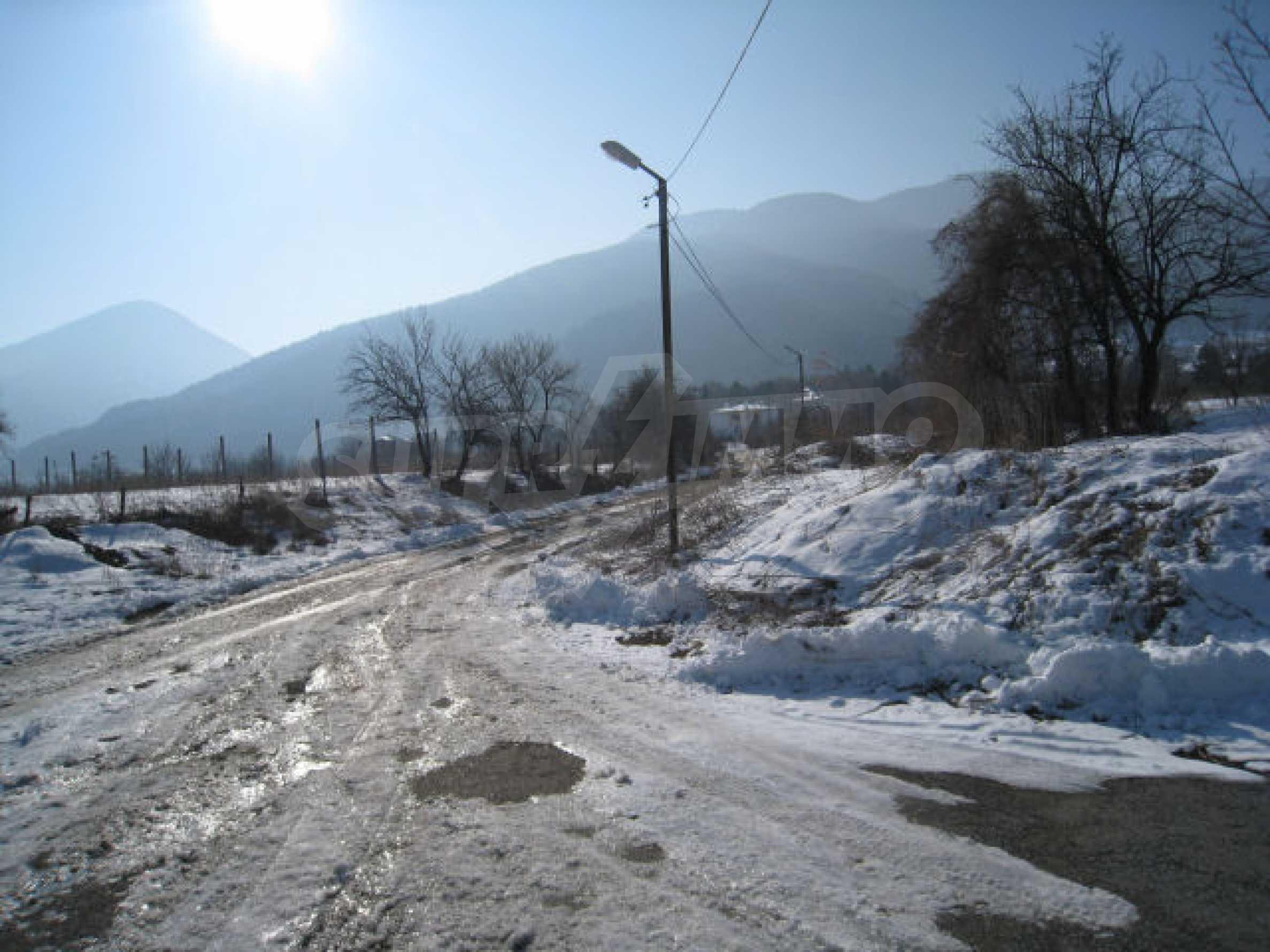 Земельный участок вблизи г. София 9