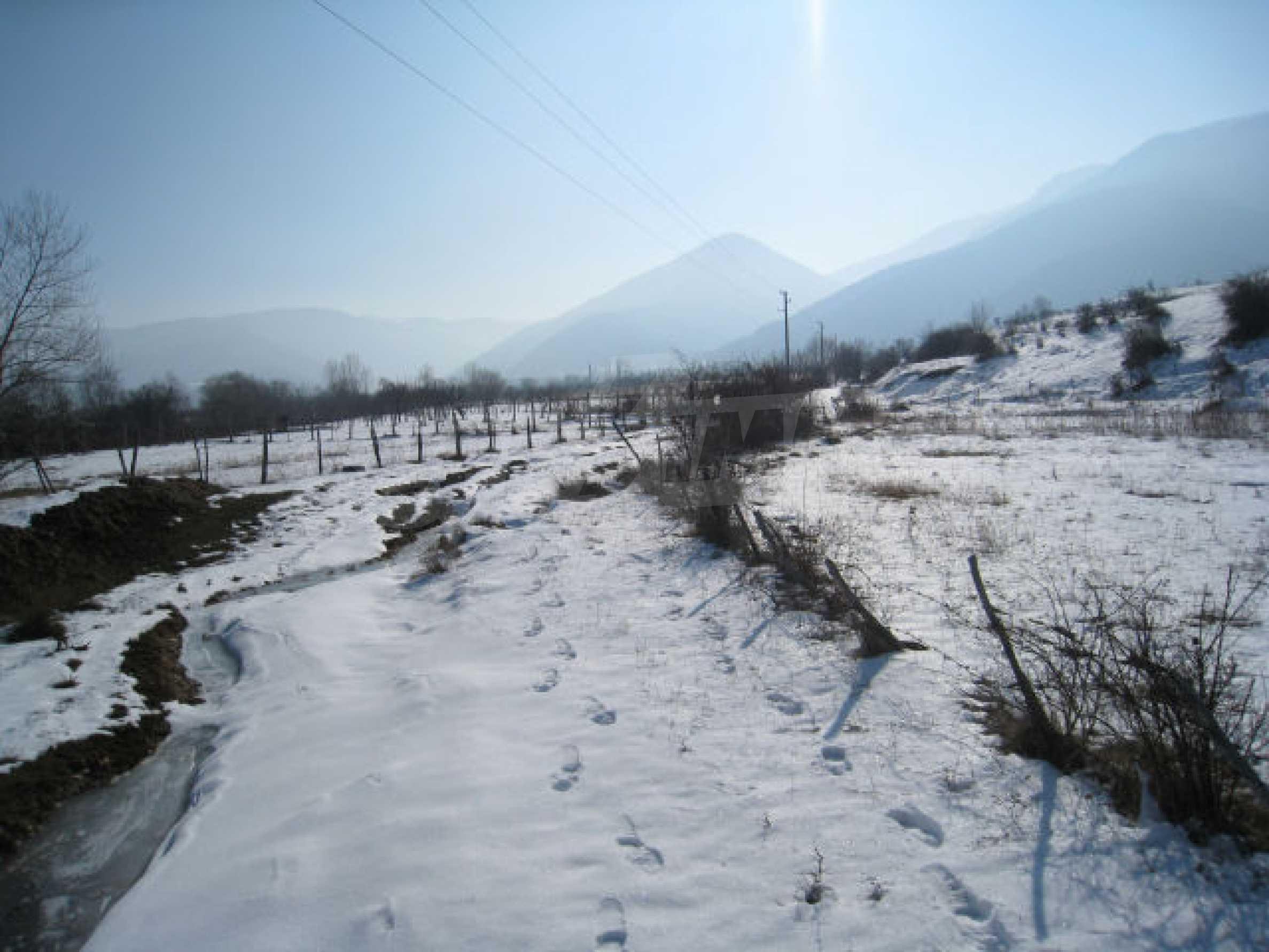 Земельный участок вблизи г. София 8