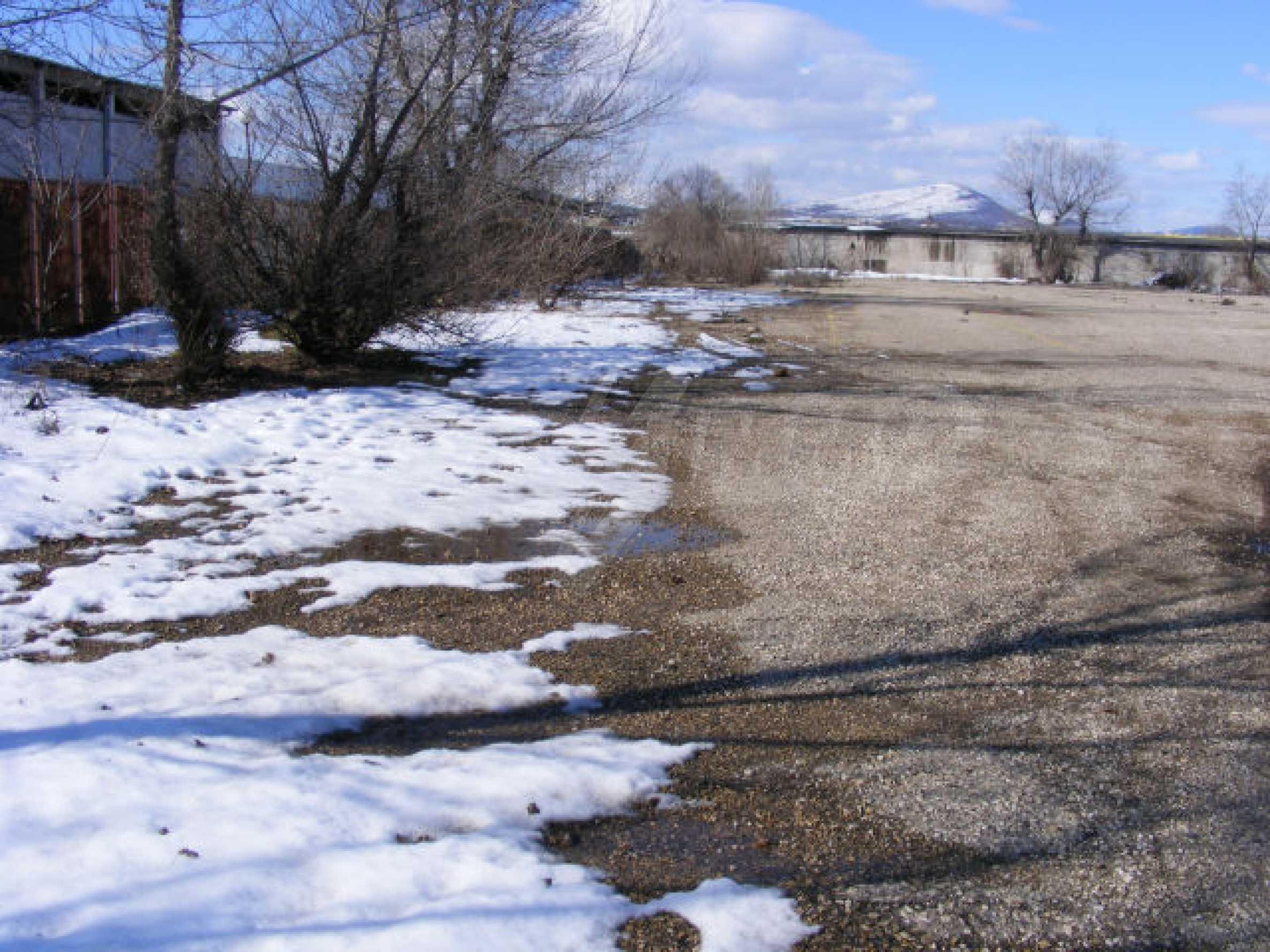 Промышленная земля в г. Монтана 1