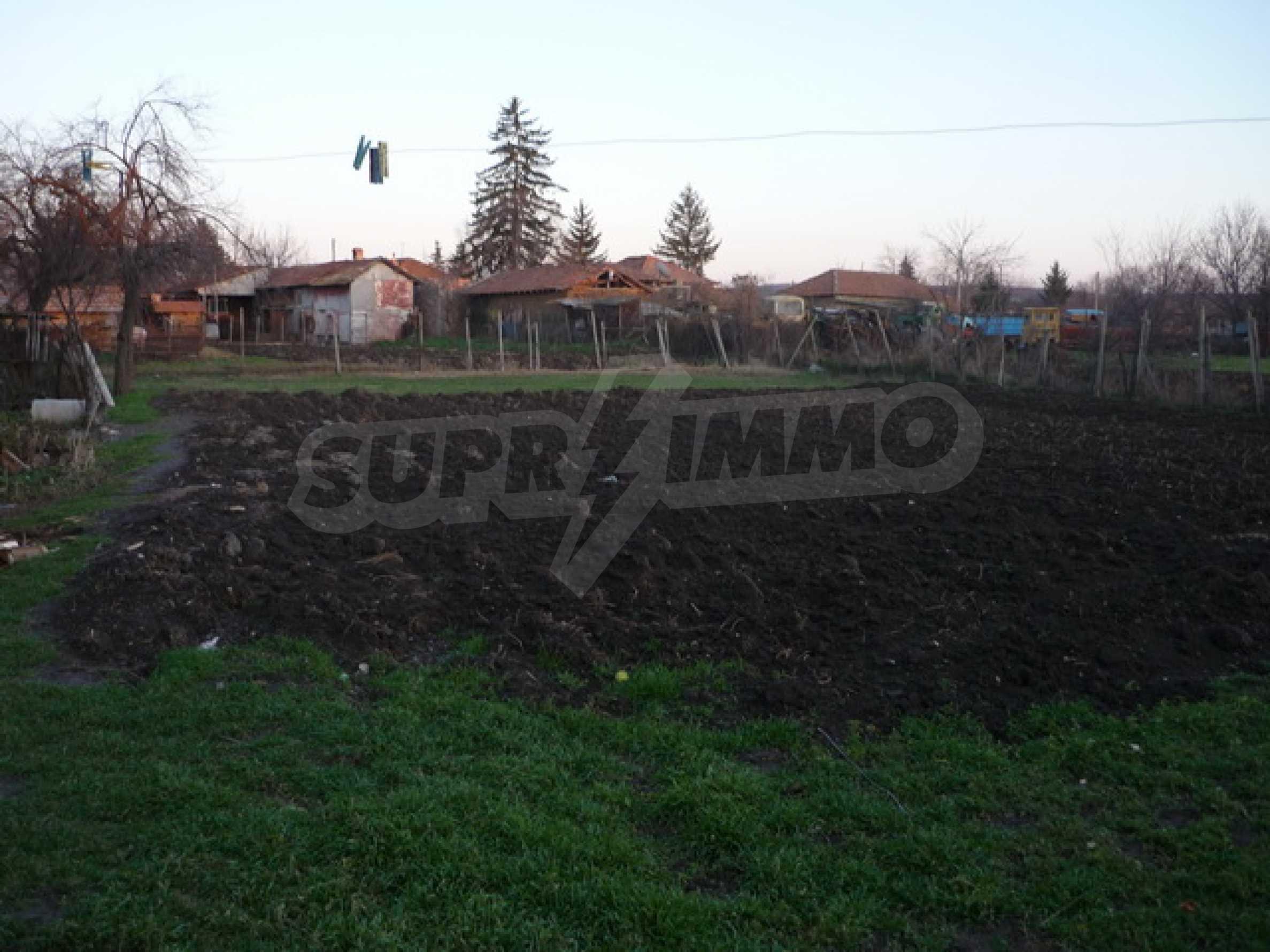 Продава се къща на два етажа в село на 40 километра от Велико Търново 11
