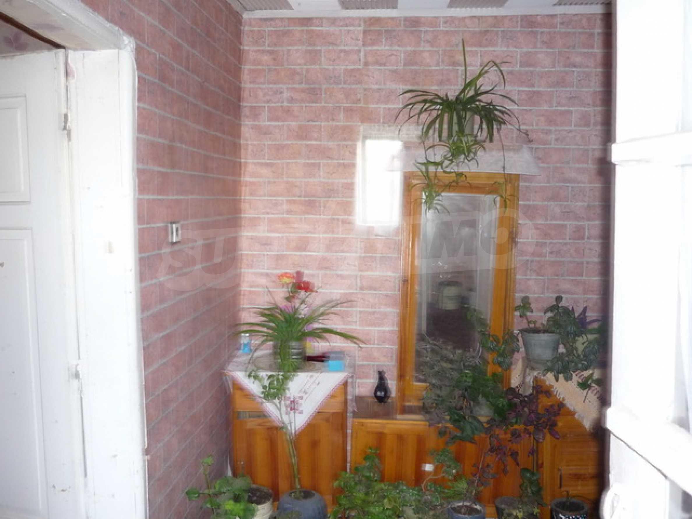 Продава се къща на два етажа в село на 40 километра от Велико Търново 7