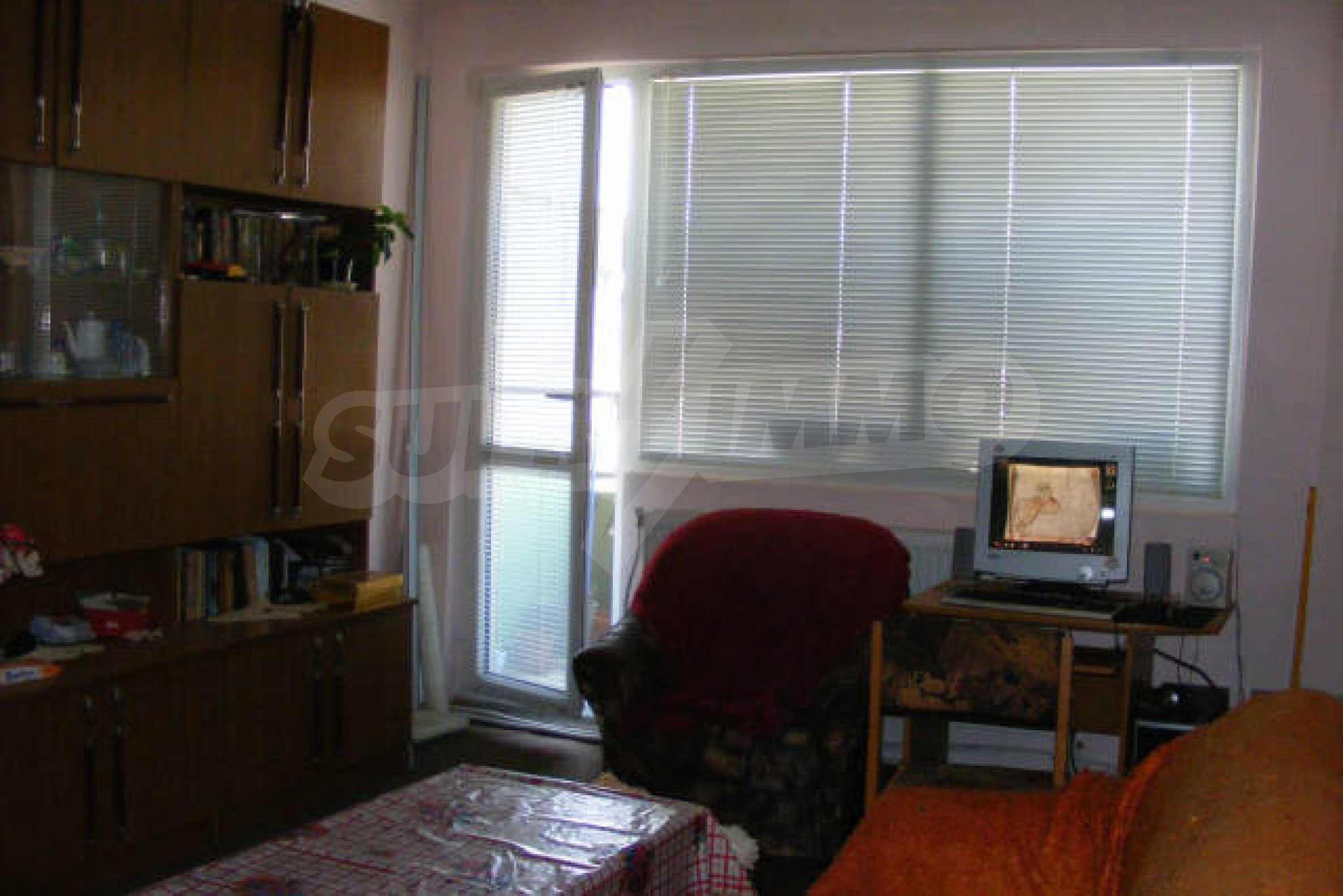 Трехкомнатная квартира в г. Монтана 2
