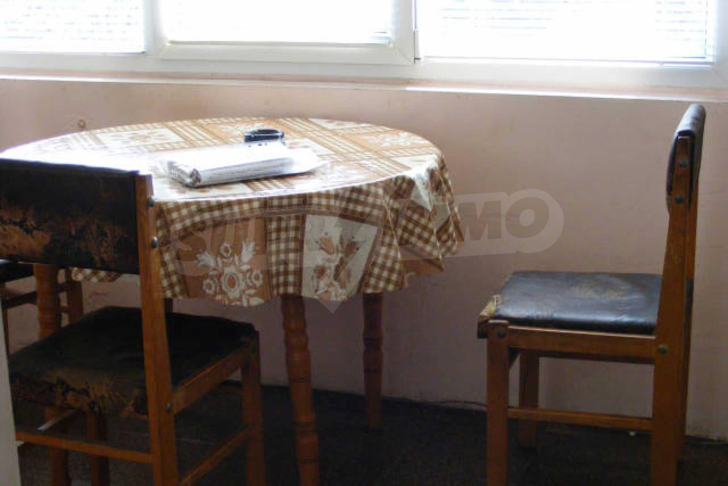 Трехкомнатная квартира в г. Монтана 5