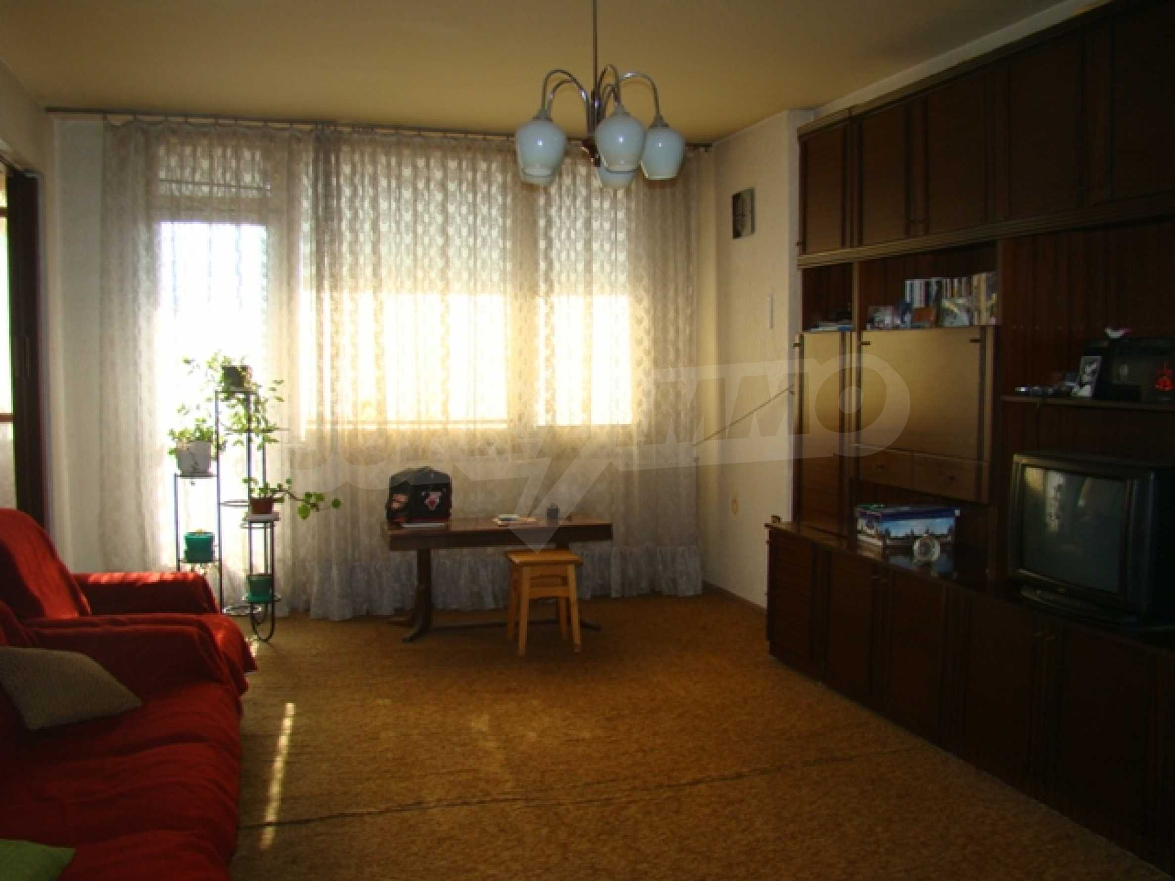 Трехкомнатная квартира в г. София 7