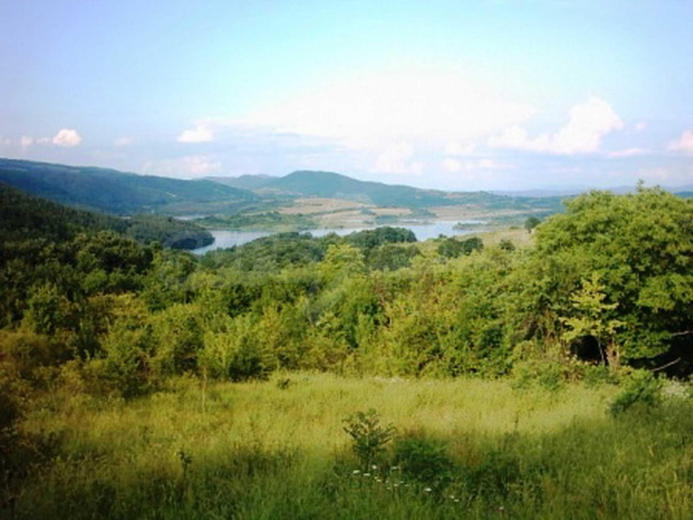 Продажа инвестиционной земли вблизи г. Елена