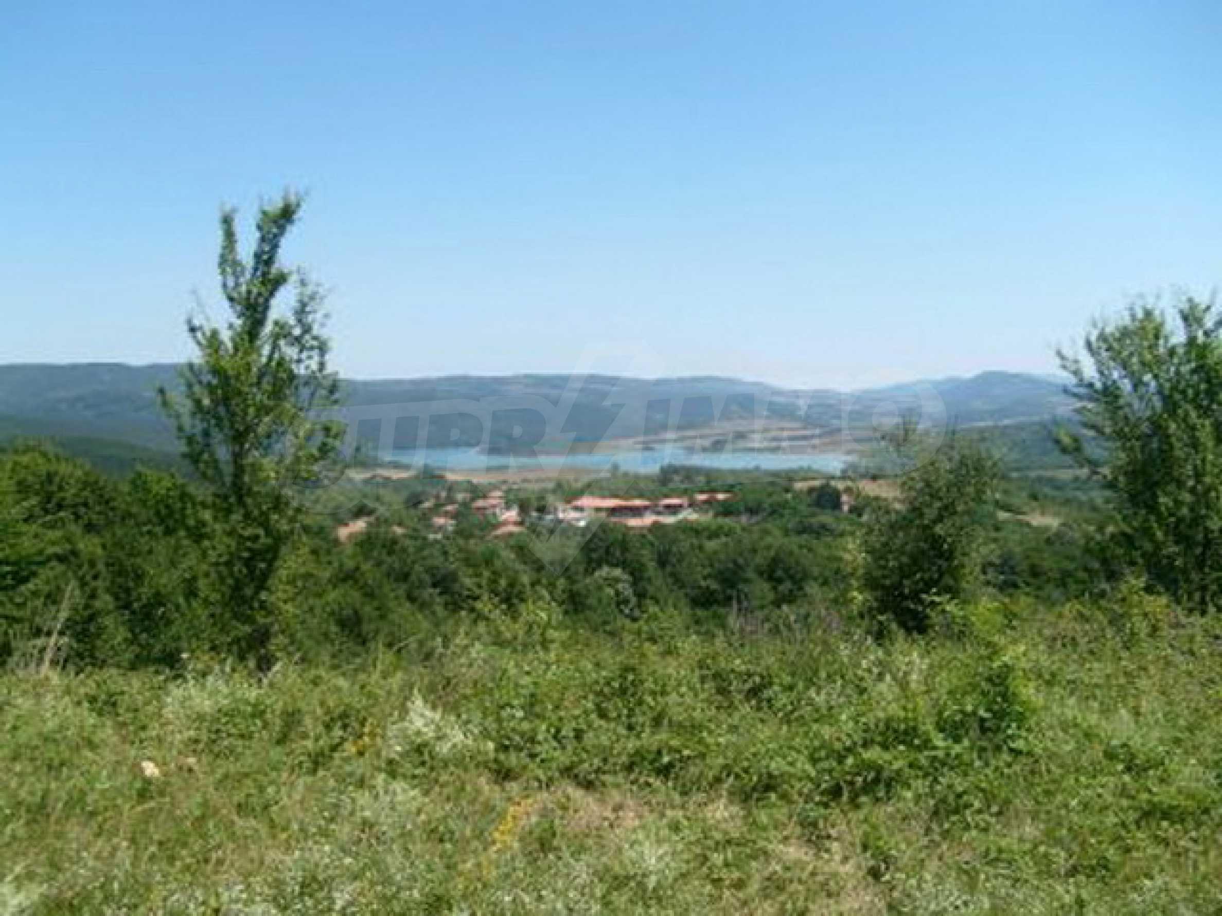 Продажа инвестиционной земли вблизи г. Елена 2