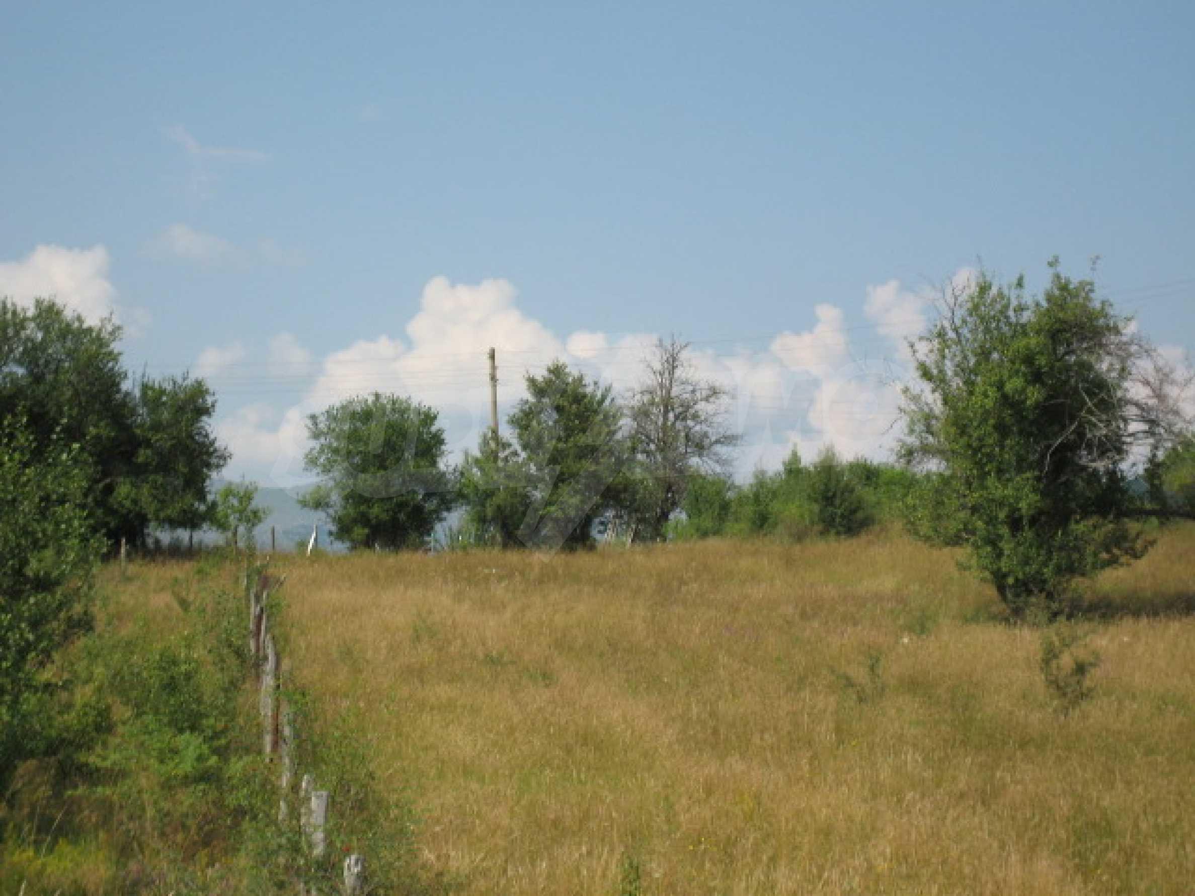 Продажа земли вблизи г. София 1