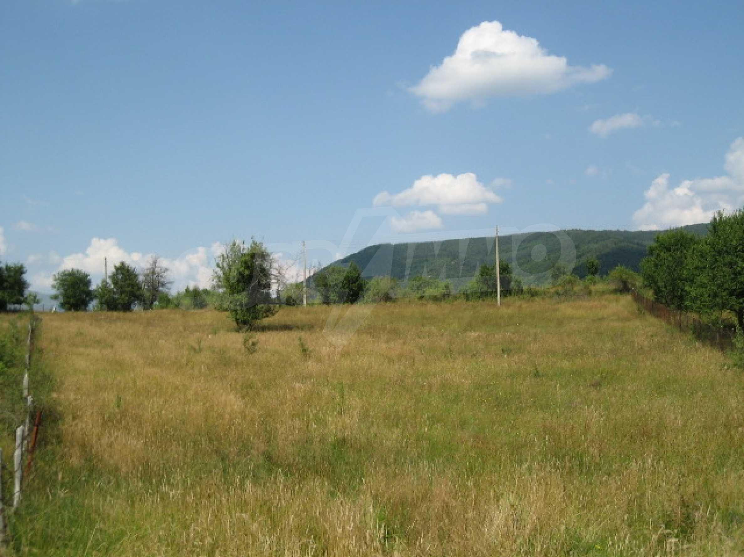 Продажа земли вблизи г. София 2