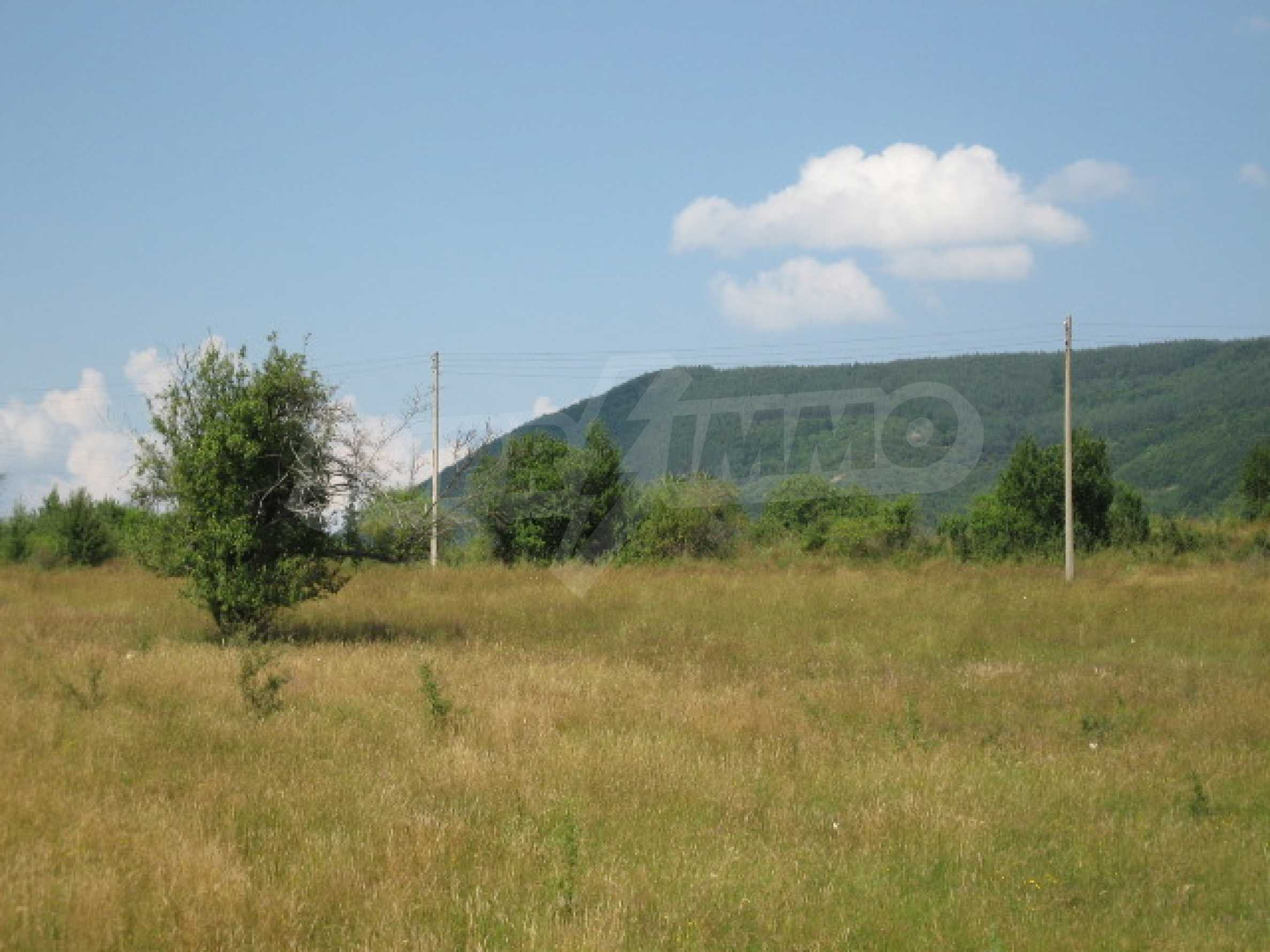 Продажа земли вблизи г. София 3