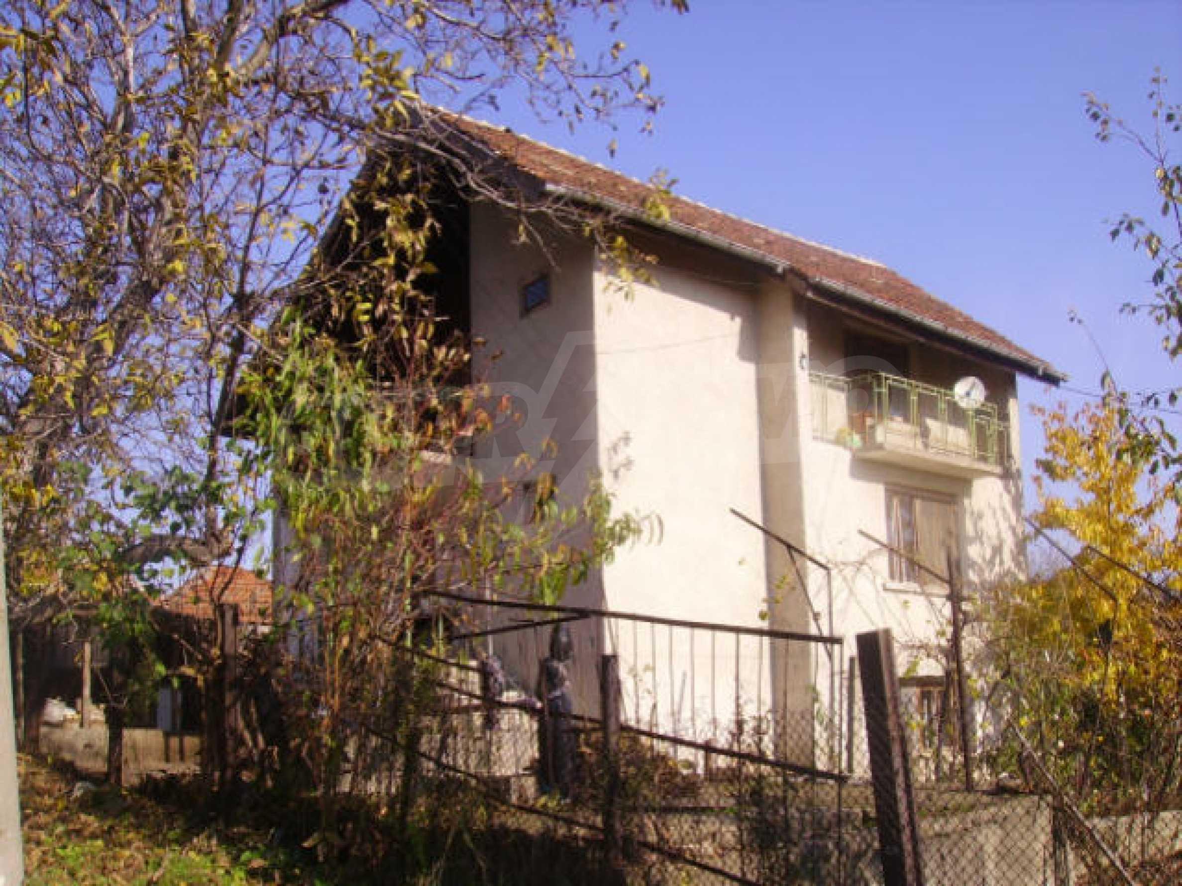 Traditional villa house 1