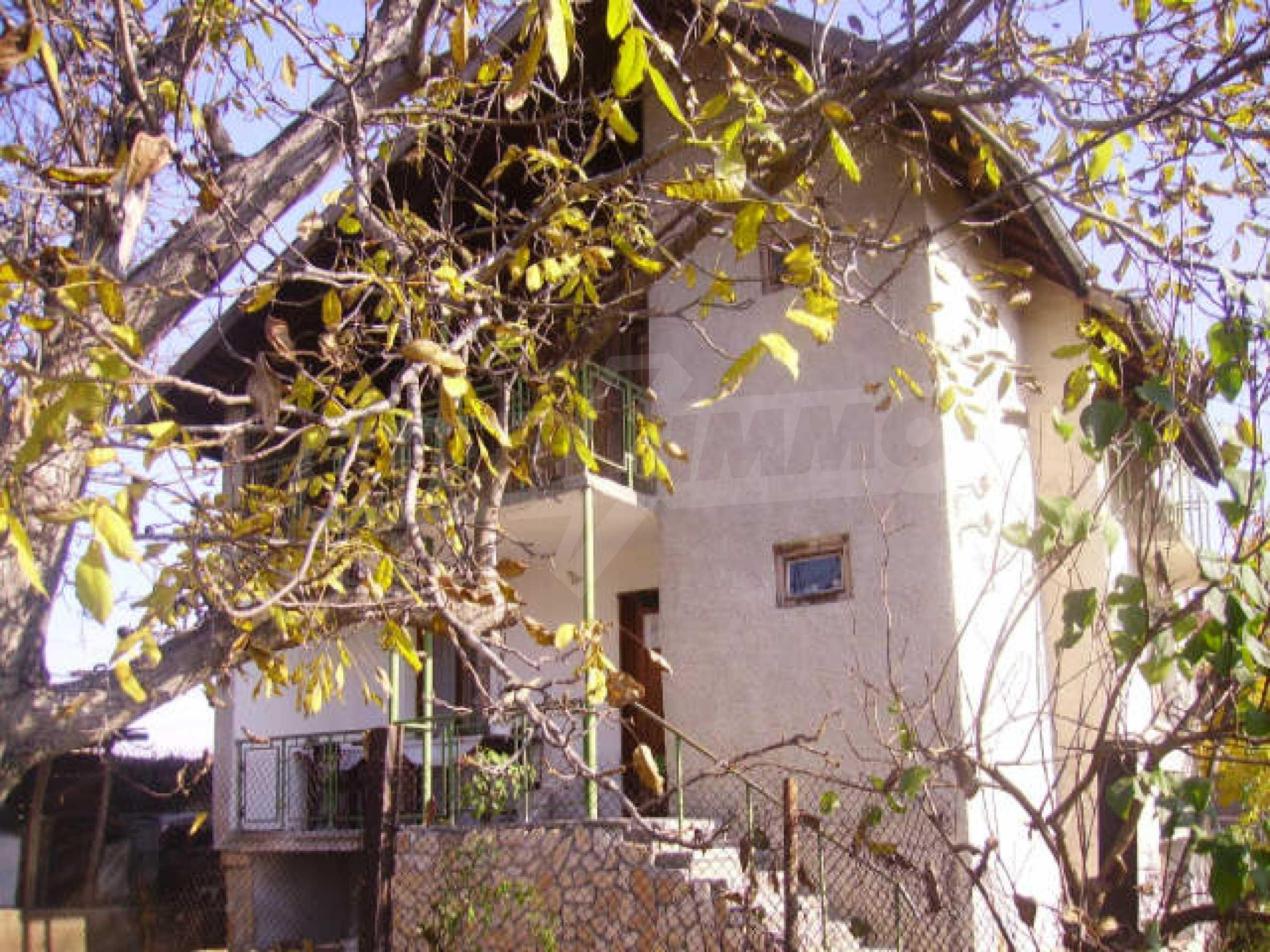 Traditional villa house 2