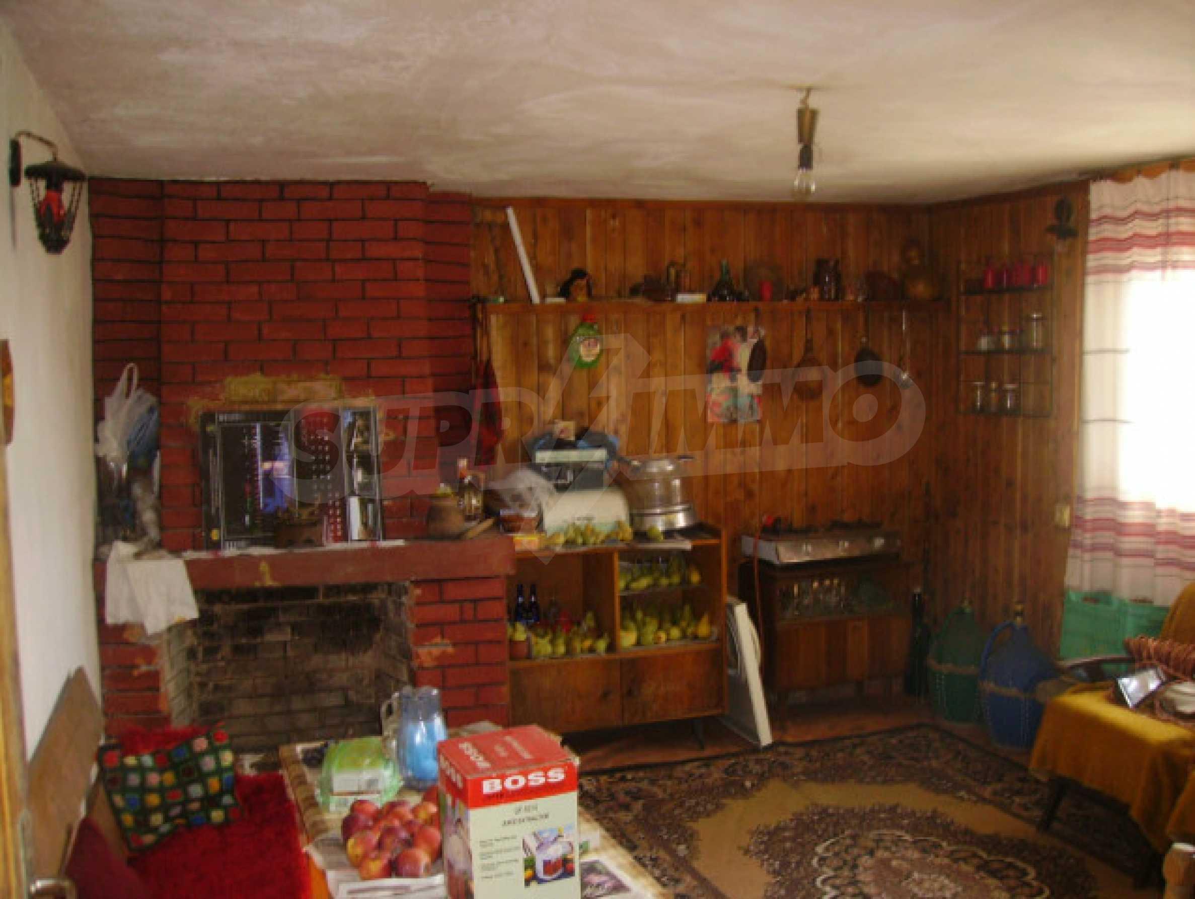 Traditional villa house 4