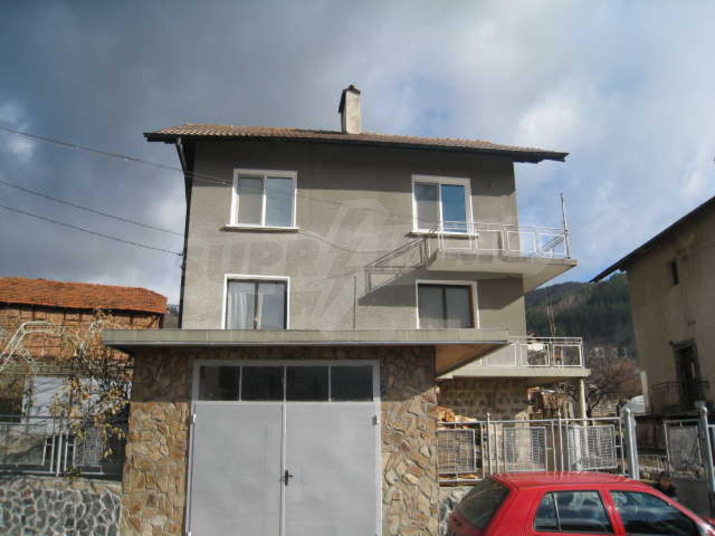 Просторный семейный дом в 30 км от Софии 1