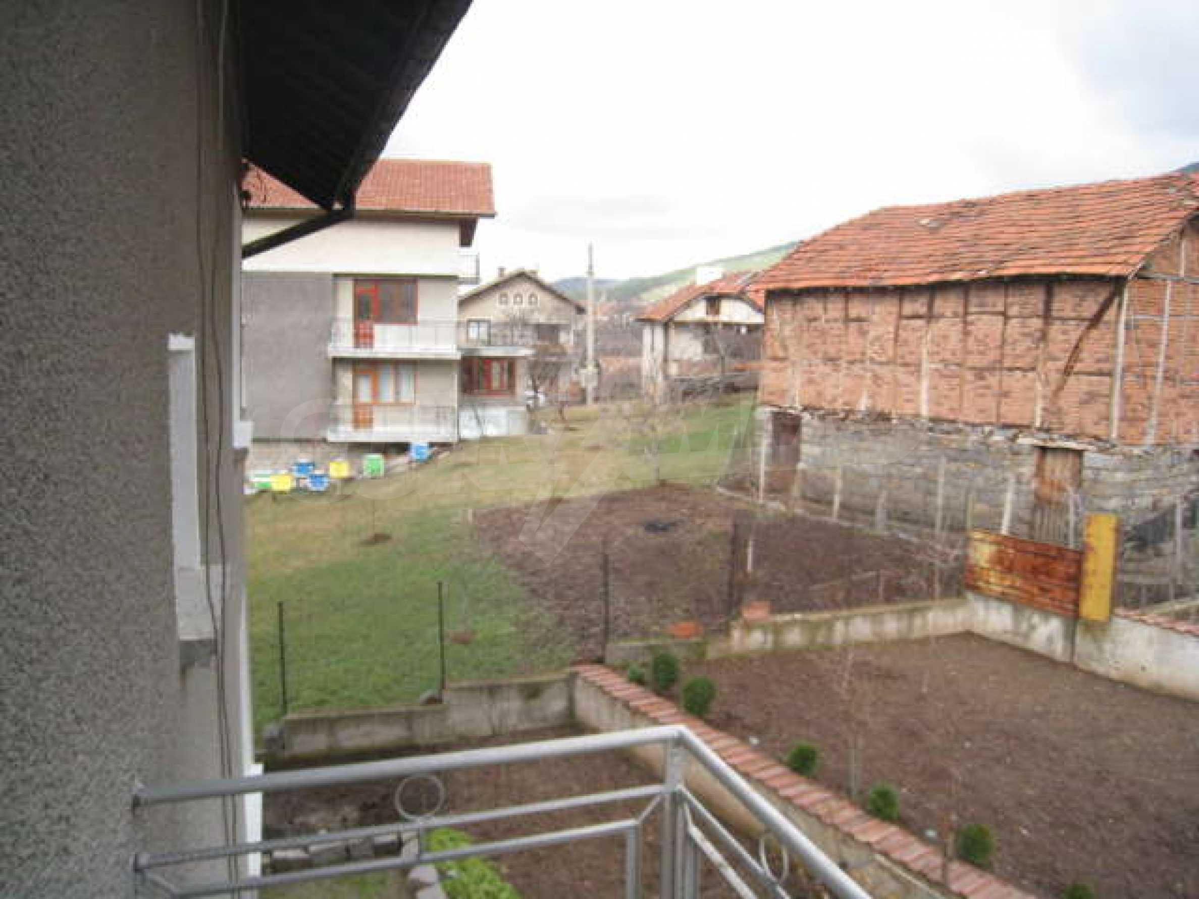 Просторный семейный дом в 30 км от Софии 25
