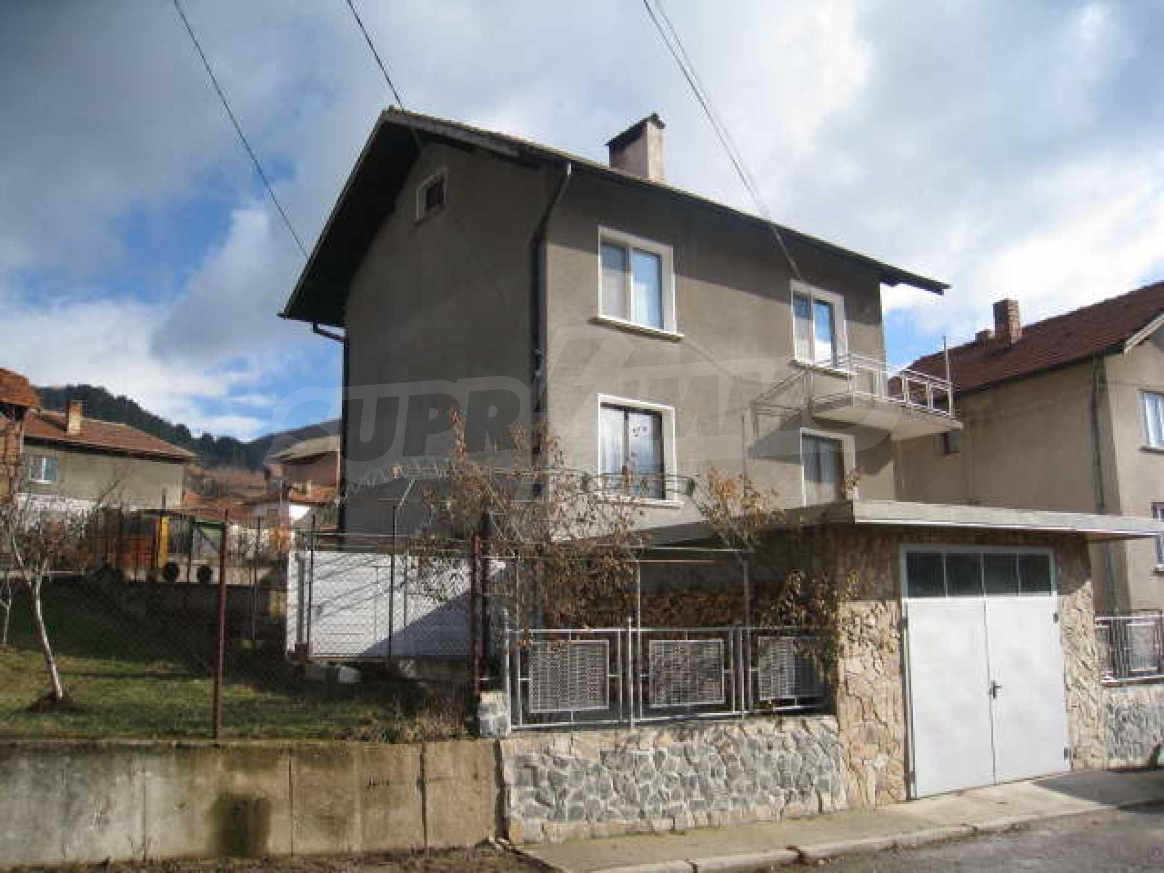 Просторный семейный дом в 30 км от Софии 2