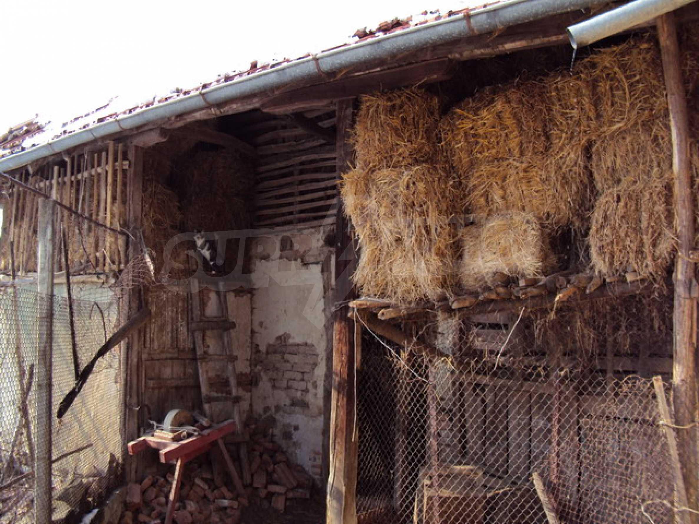 Къща в село до река 26