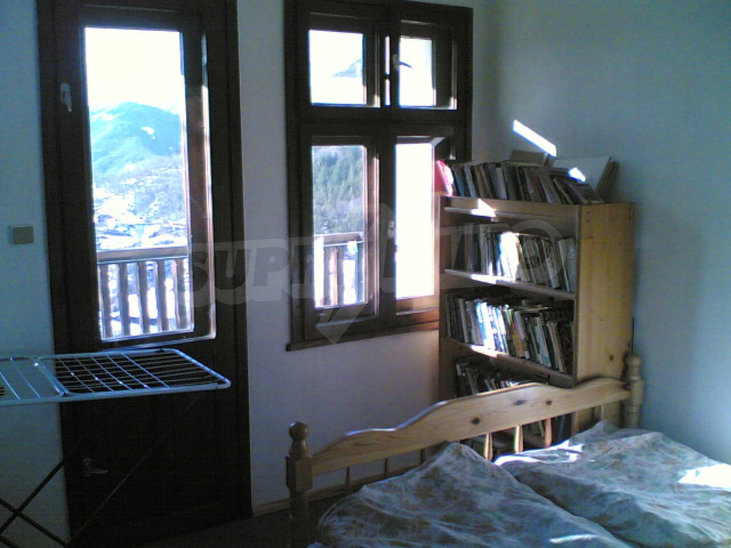 Солидный дом в селе Давидково в горах Родопы 9