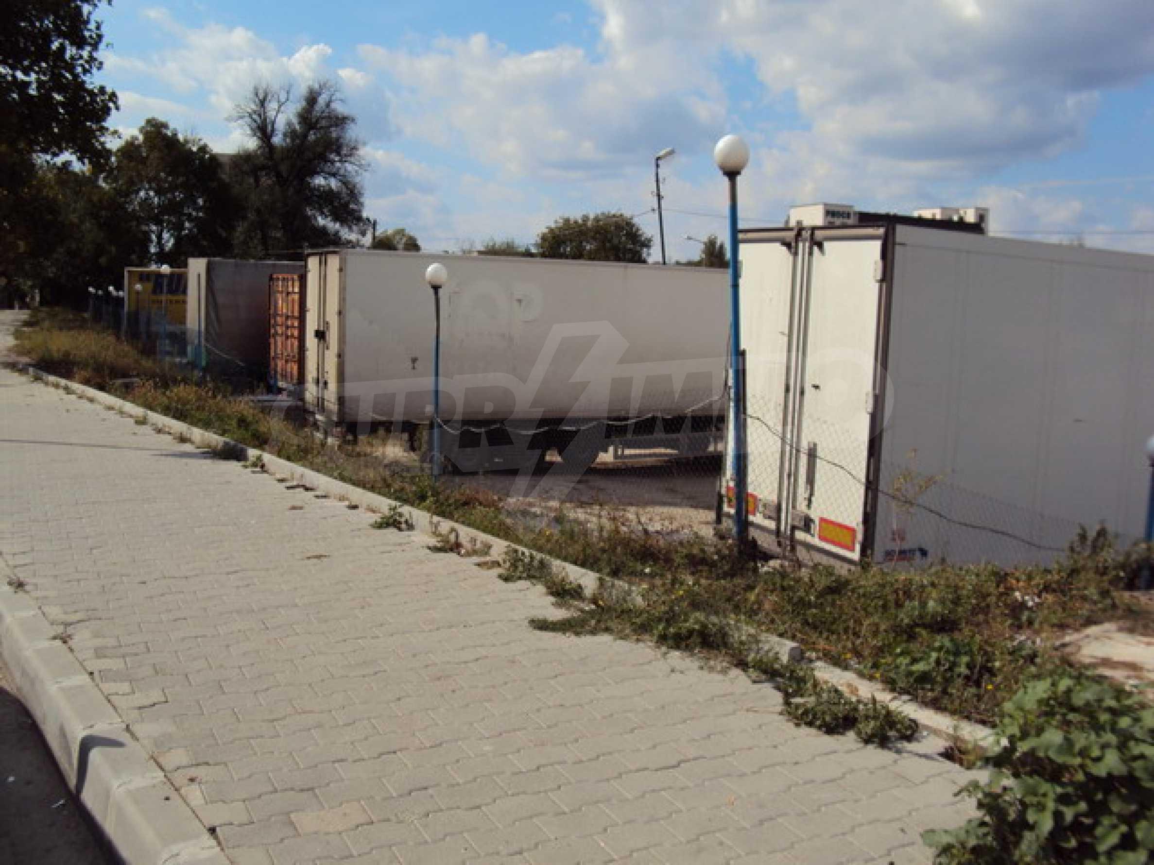 Земя на главен път София-Варна 14