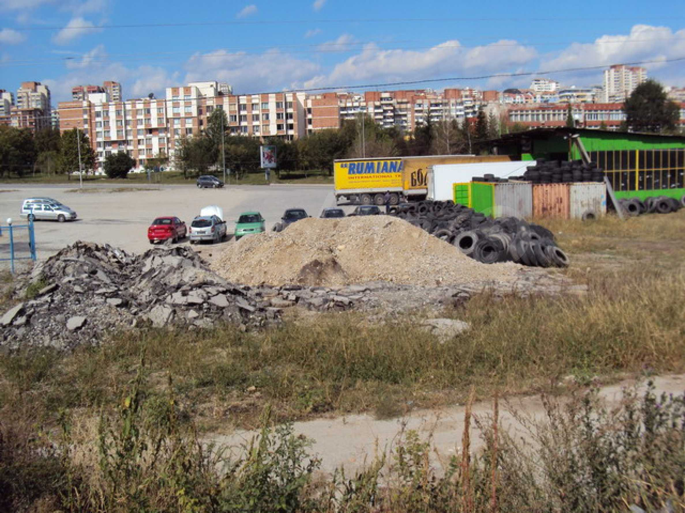 Земя на главен път София-Варна 15