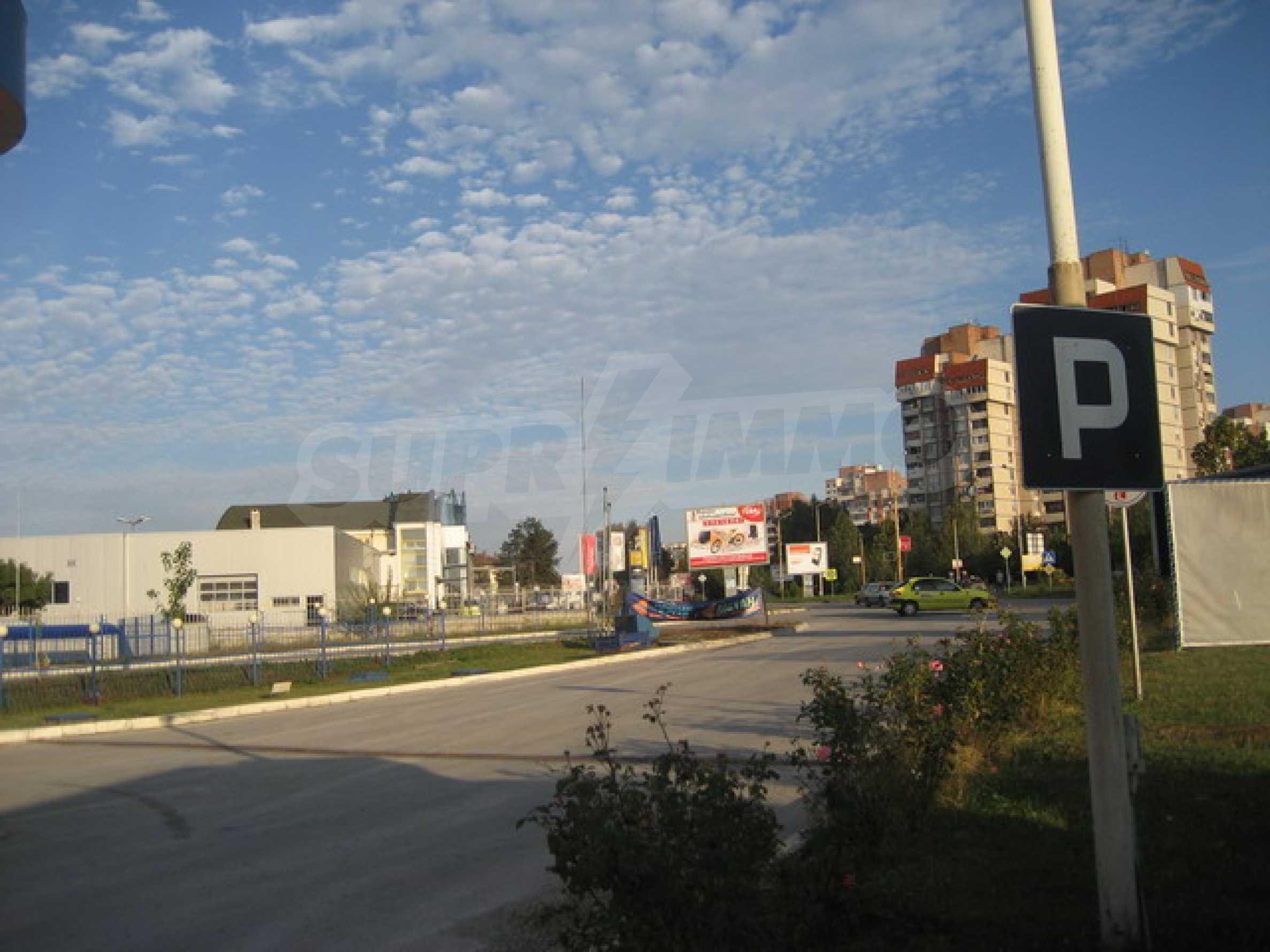 Земя на главен път София-Варна 8