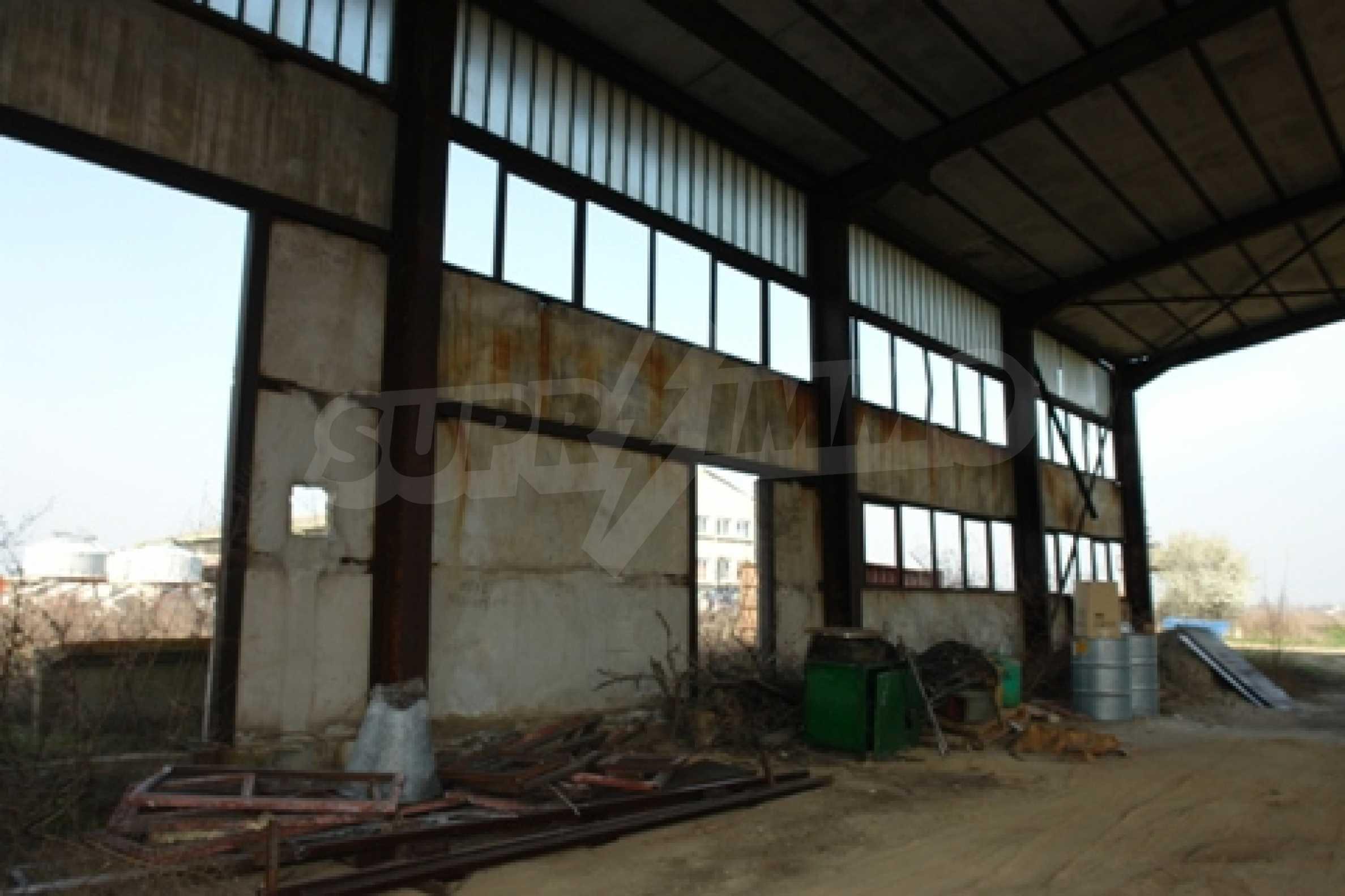 Частично завършен склад за продажба в град Русе 1