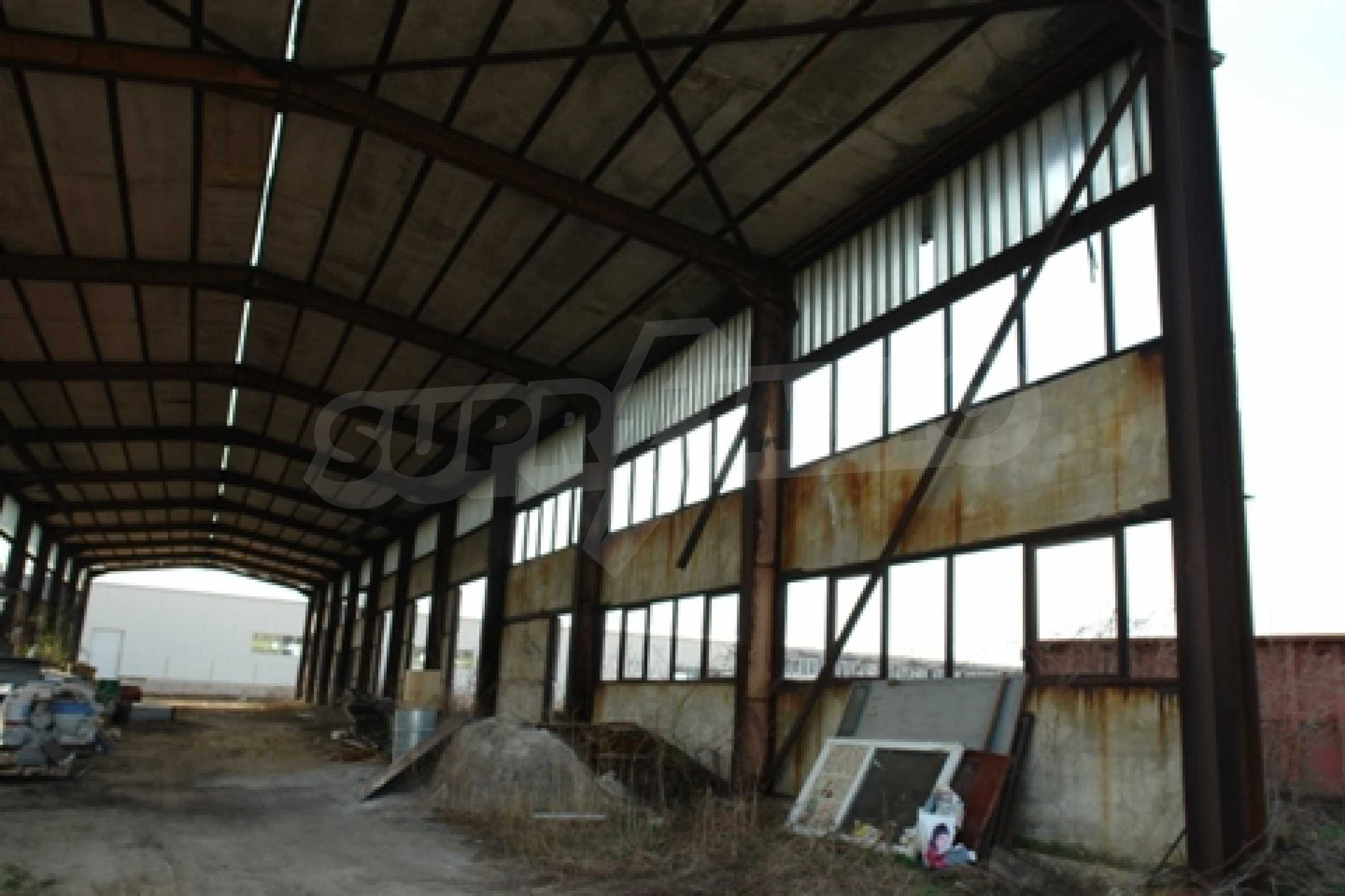 Частично завършен склад за продажба в град Русе 4