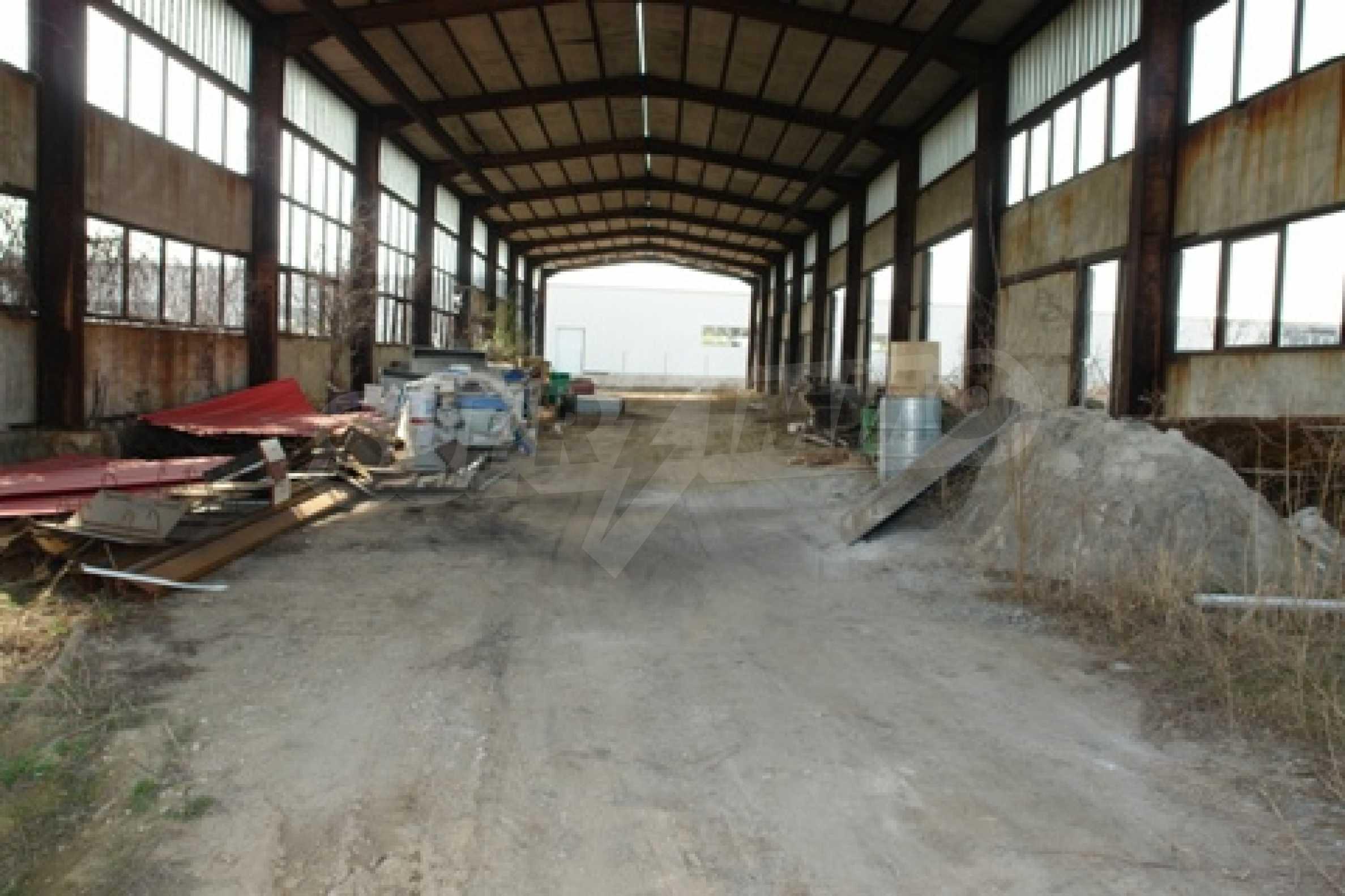 Частично завършен склад за продажба в град Русе 5