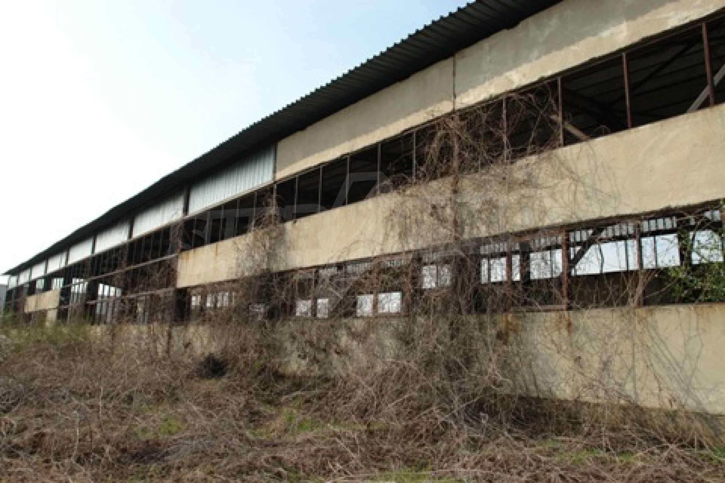 Частично завършен склад за продажба в град Русе 6