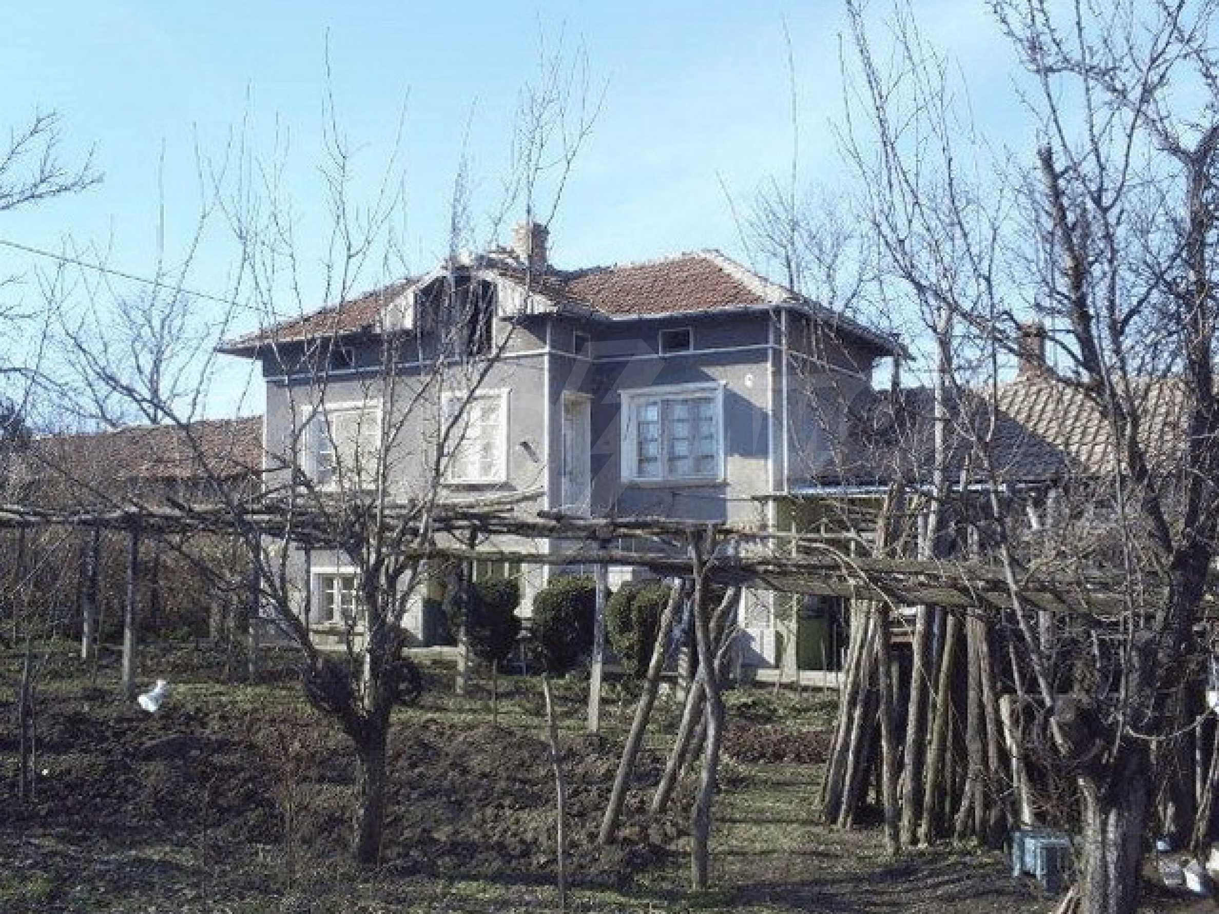 Деревенский дом с большим участком