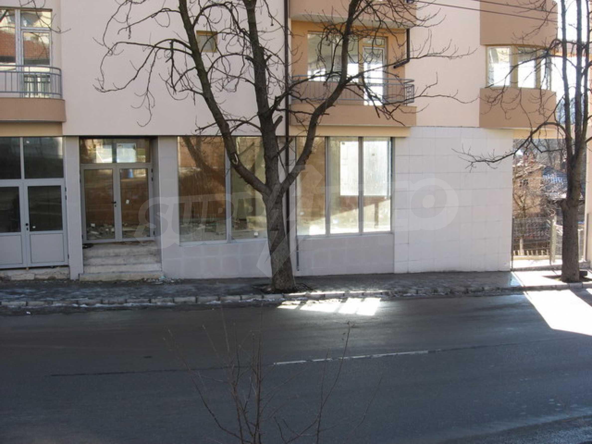 Geschäft und Café zu vermieten in Gabrovo