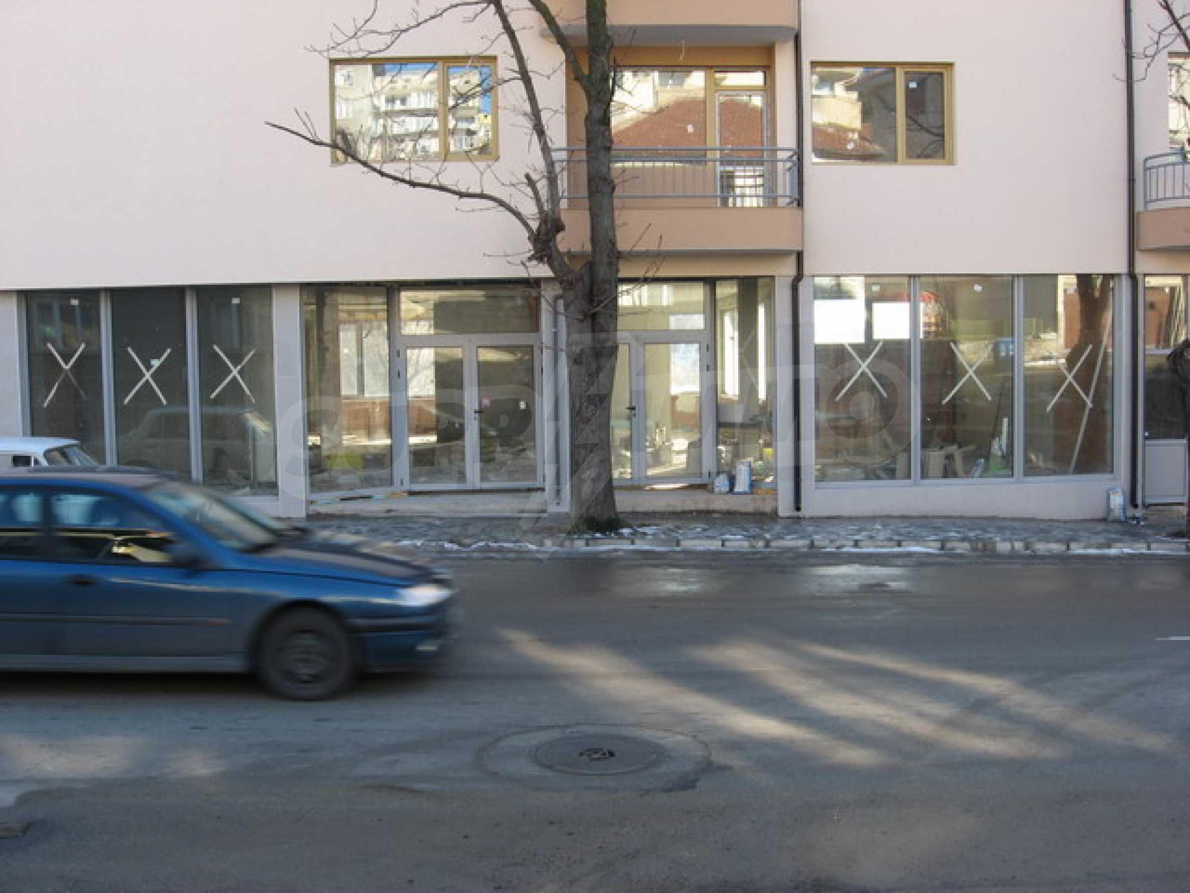 Geschäft und Café zu vermieten in Gabrovo 1