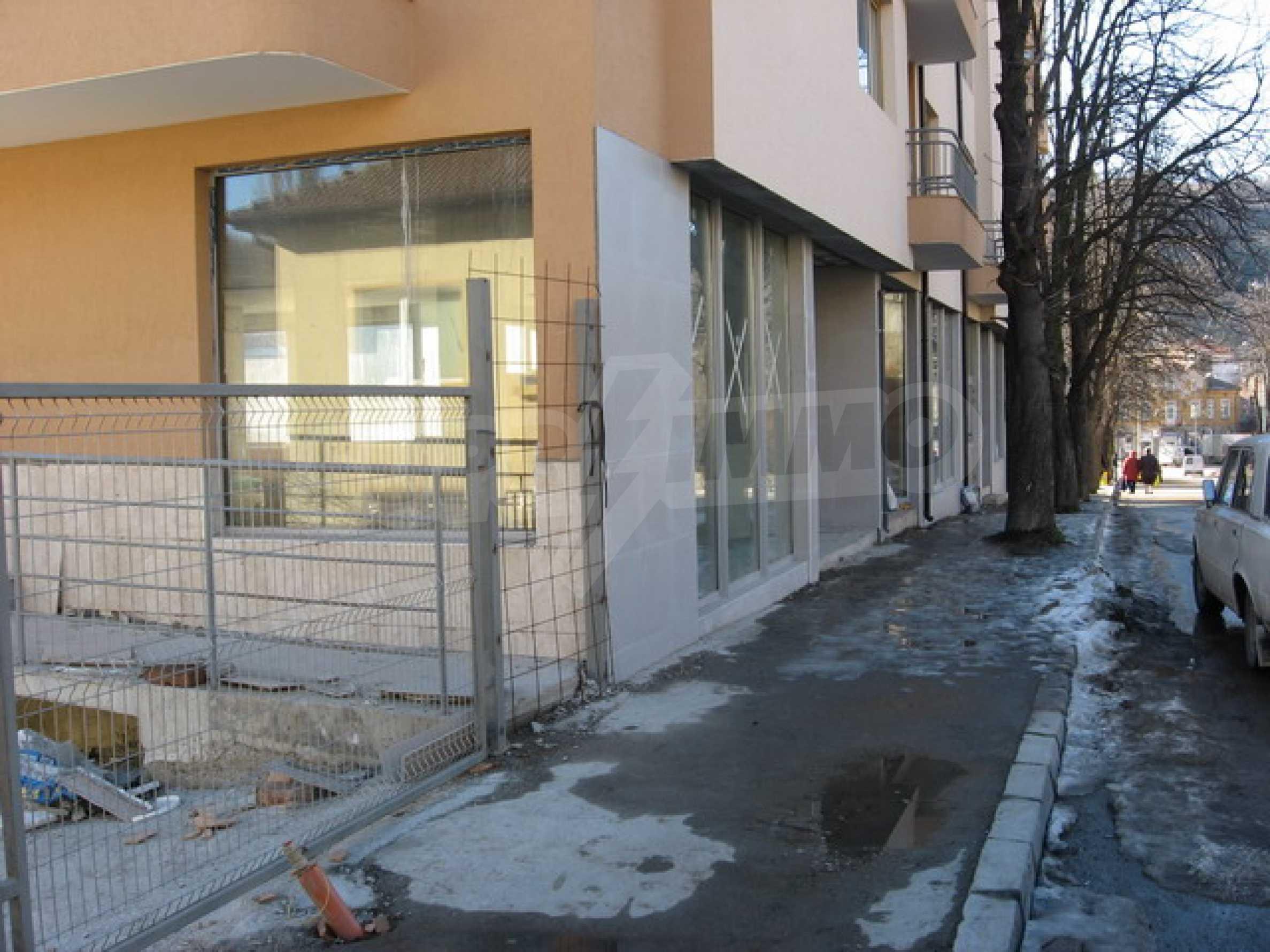 Geschäft und Café zu vermieten in Gabrovo 2
