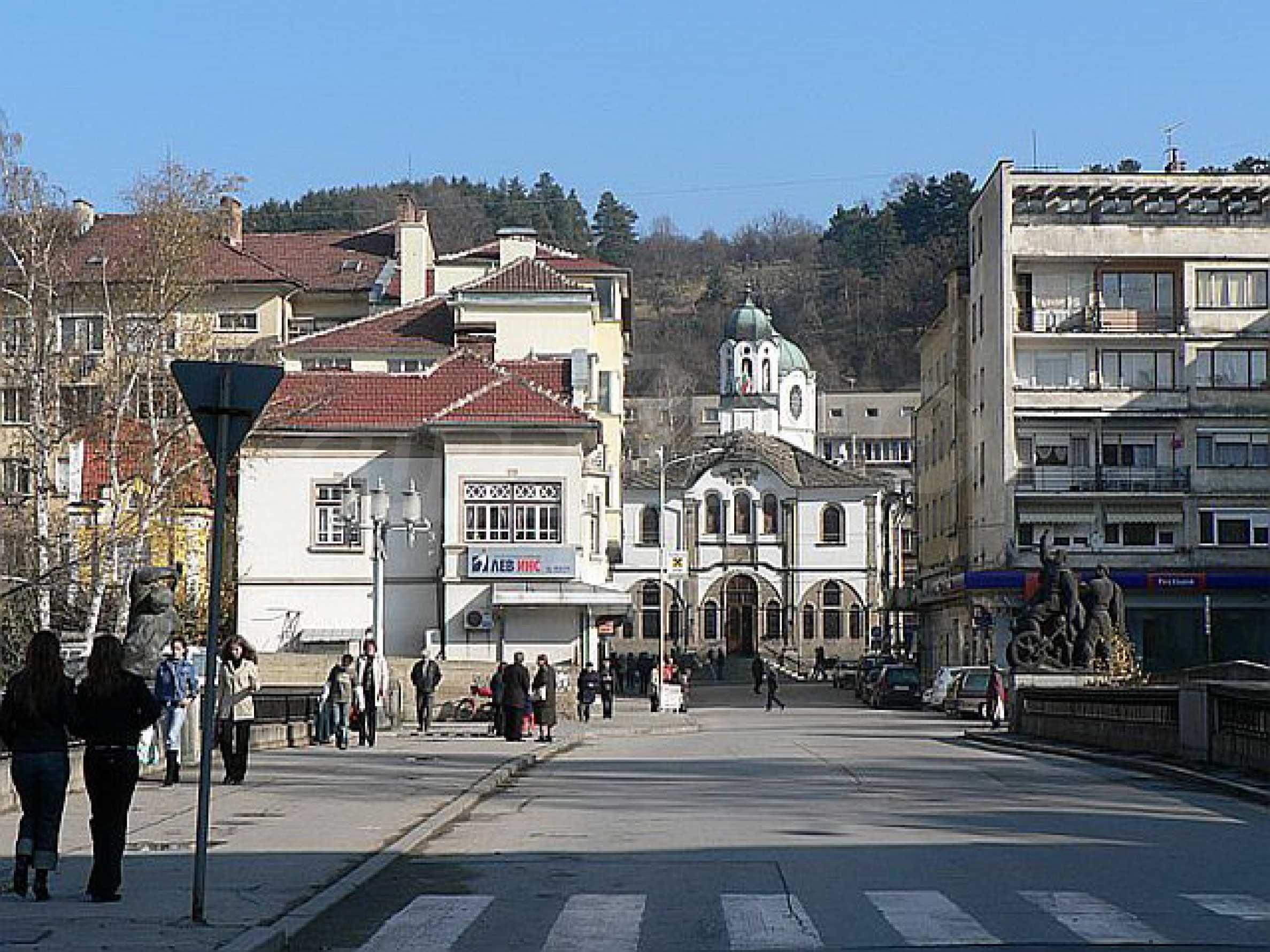Geschäft und Café zu vermieten in Gabrovo 6