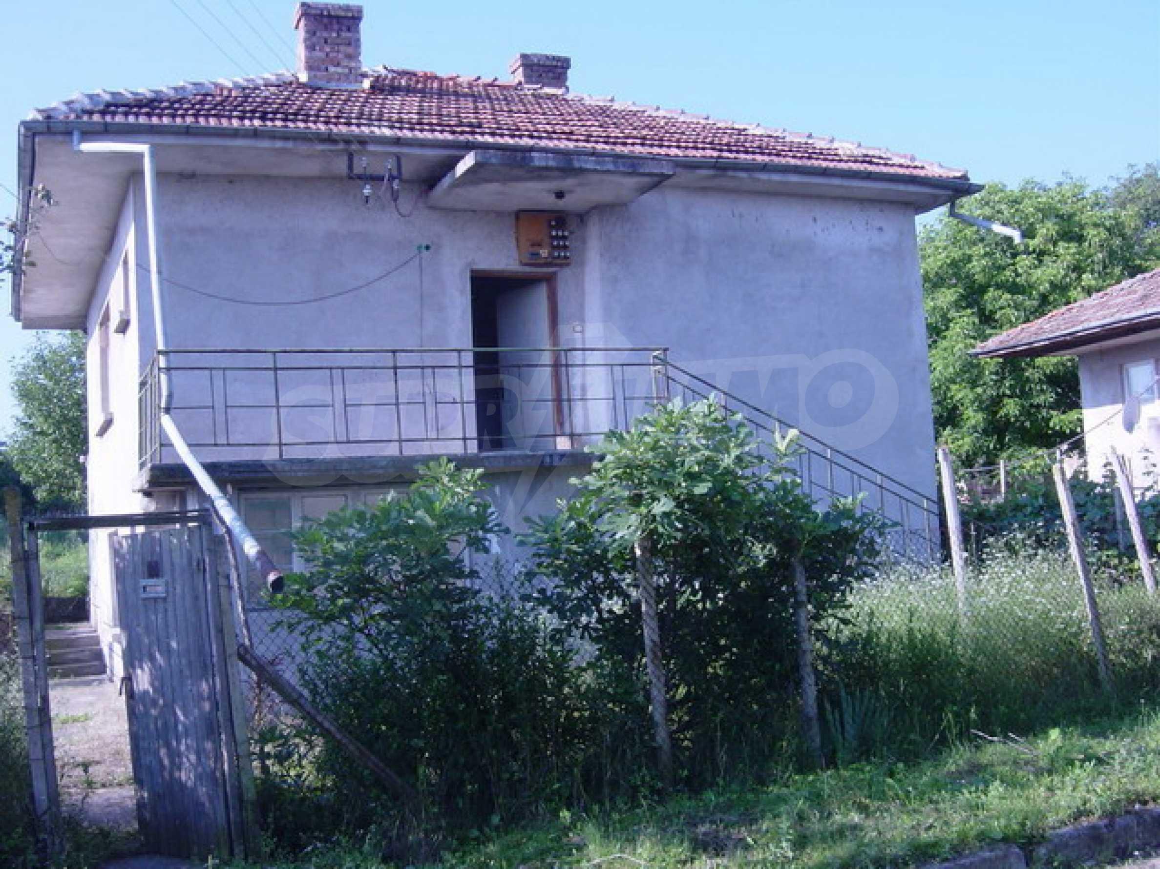 Solides Haus mit Hof