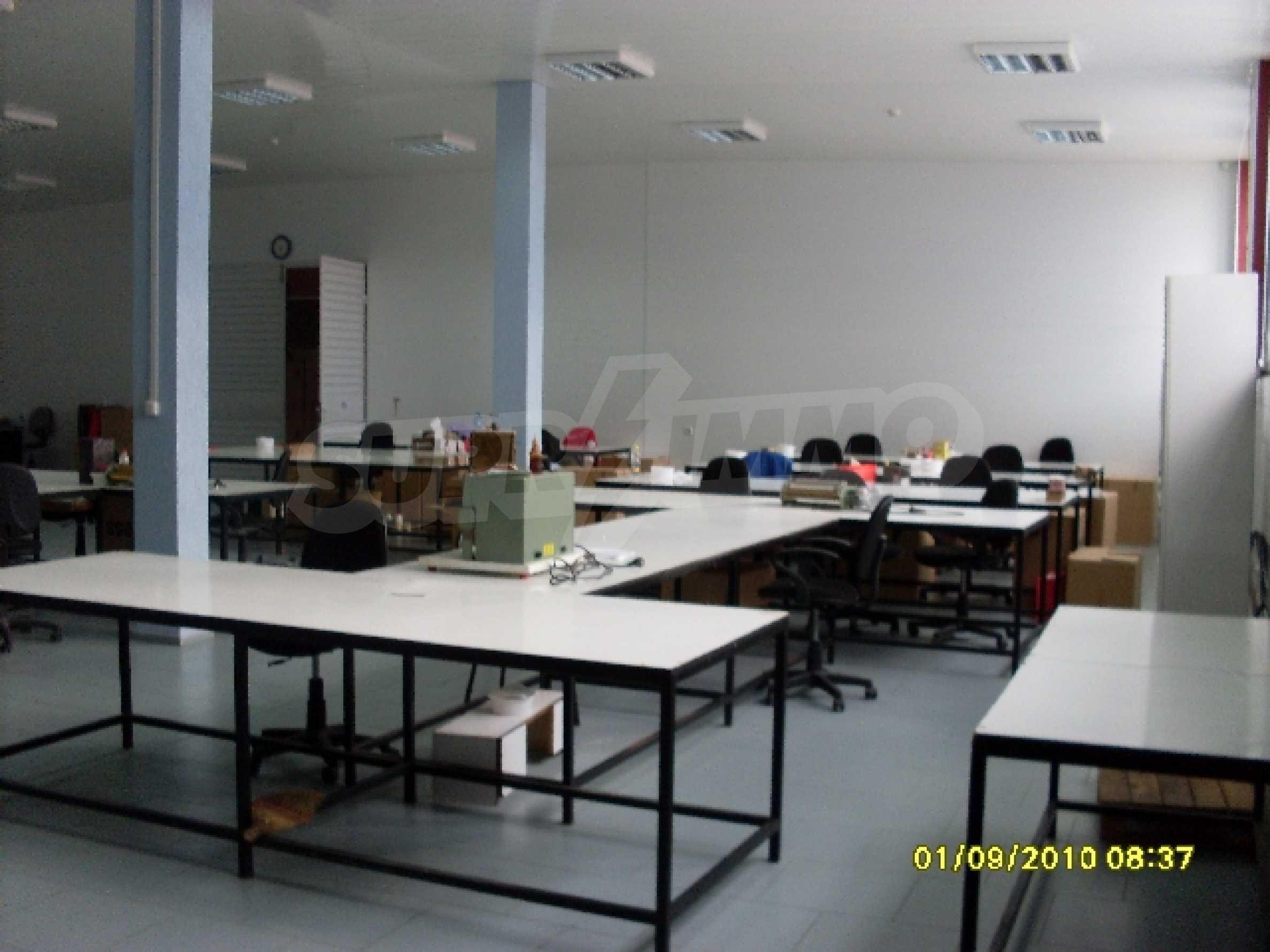 Едноетажна панелна производствена сграда 5