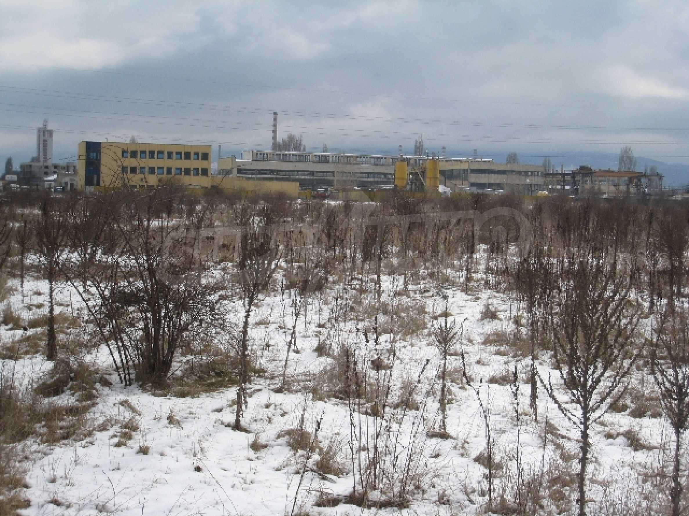 Baugrundstück neben dem Flughafen 1