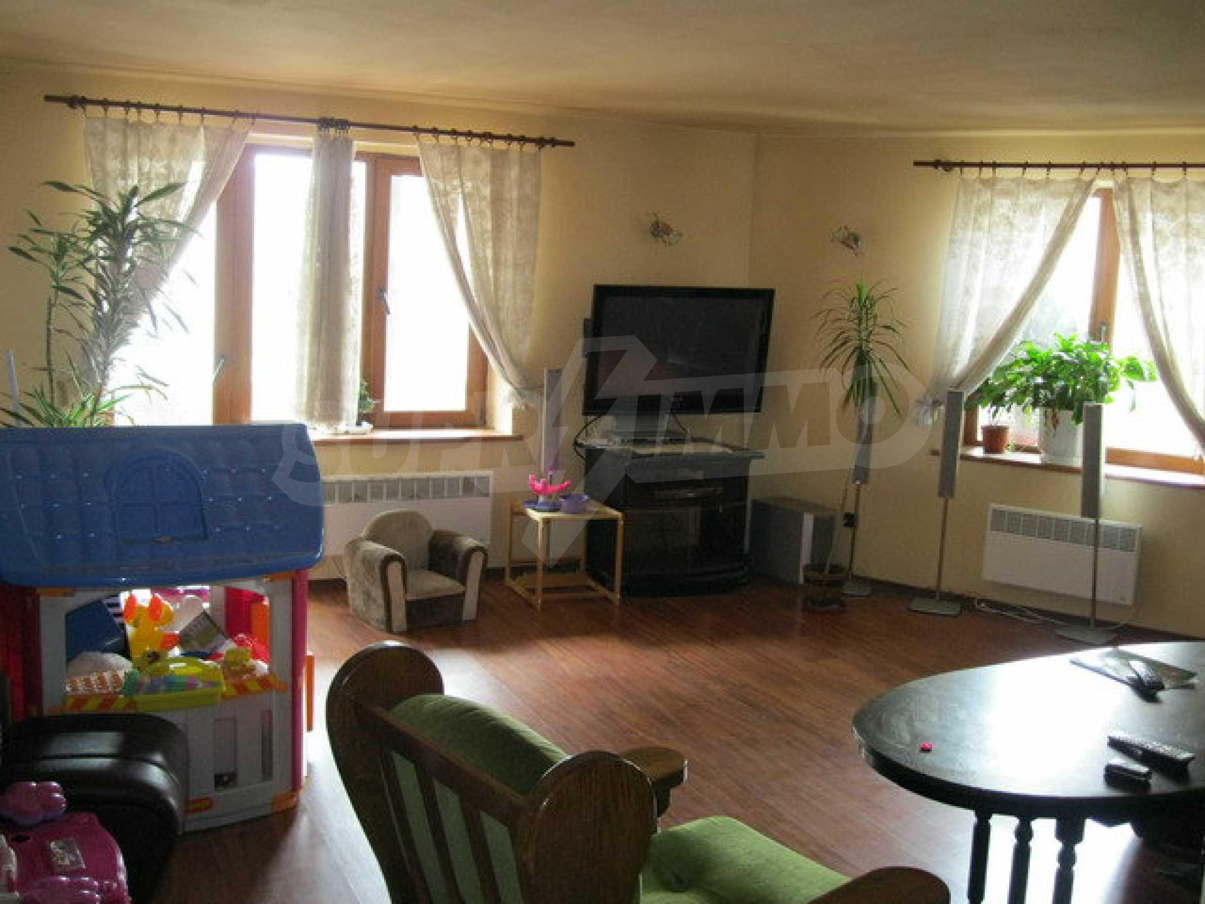 Бизнес имот на 3 етажа във Велико Търново 14