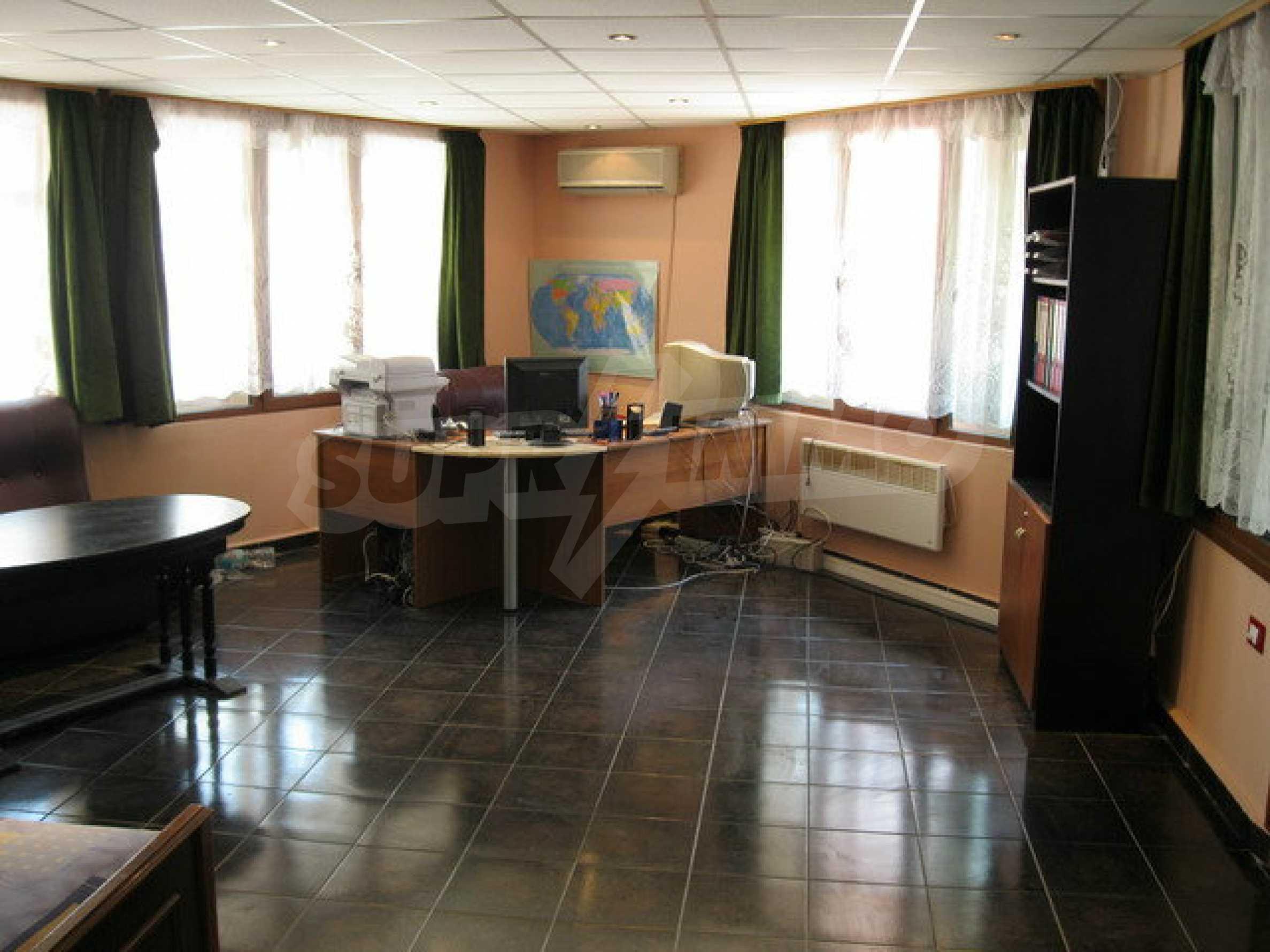 Бизнес имот на 3 етажа във Велико Търново 18
