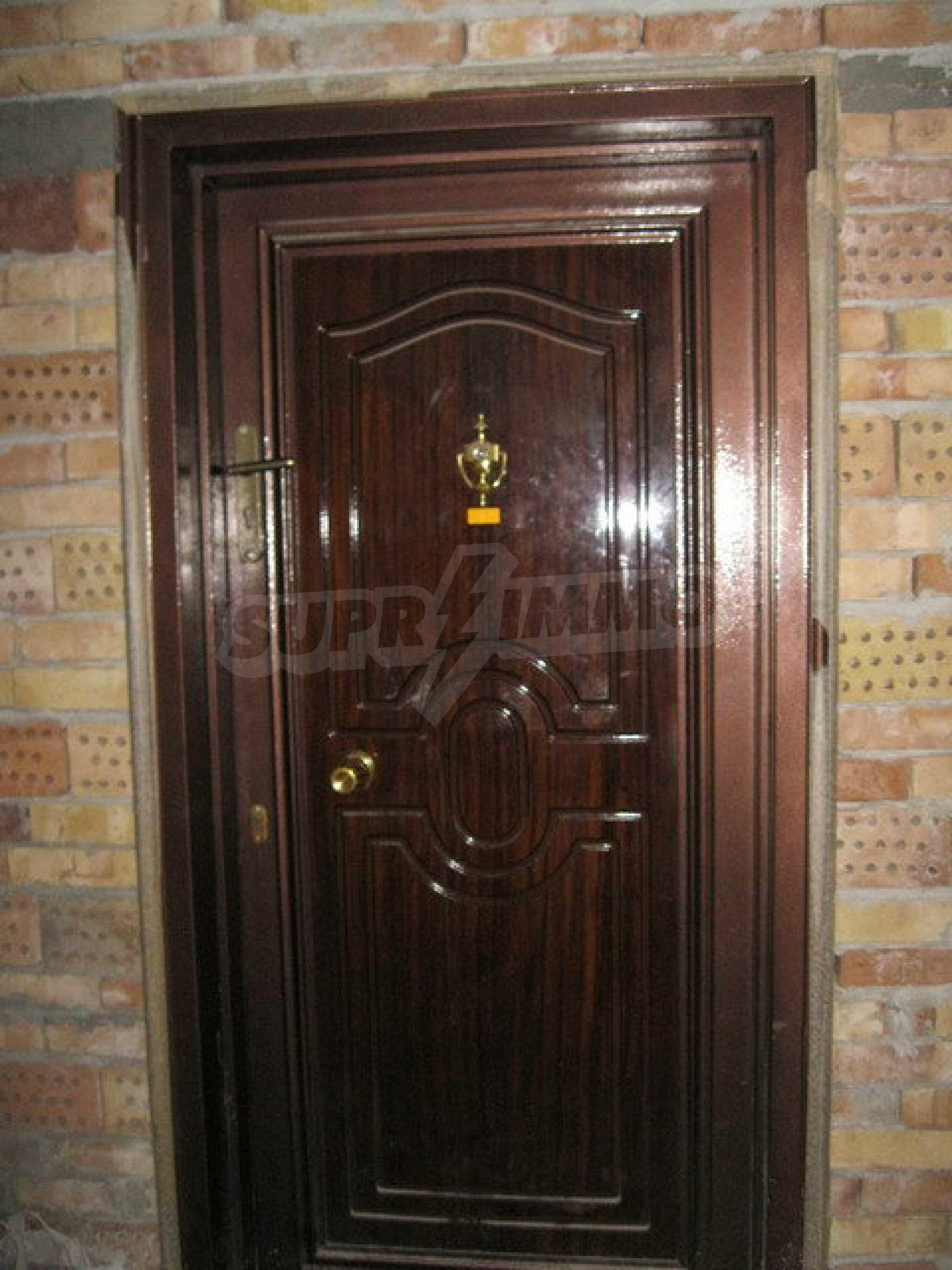 Бизнес имот на 3 етажа във Велико Търново 22