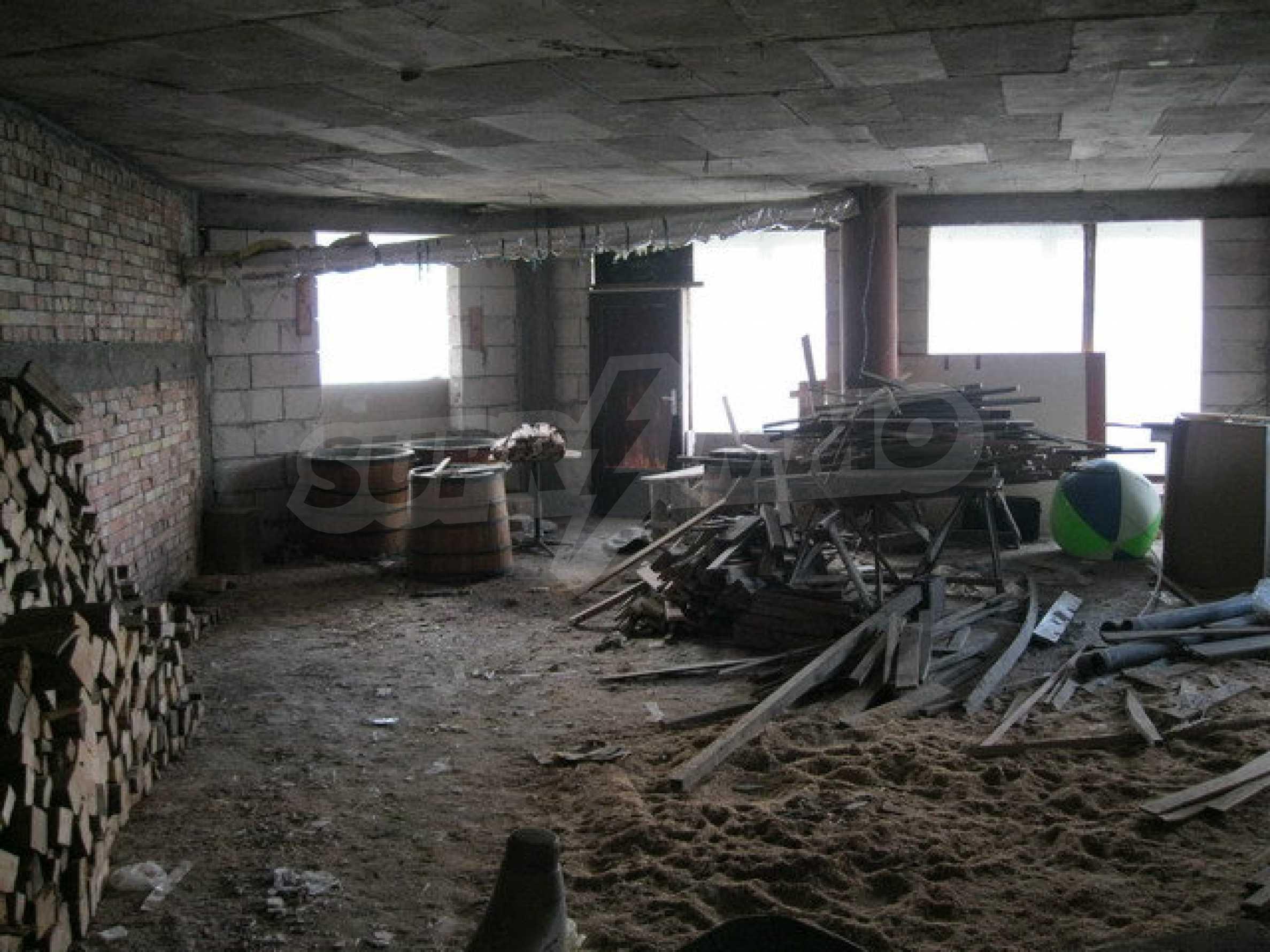 Бизнес имот на 3 етажа във Велико Търново 24