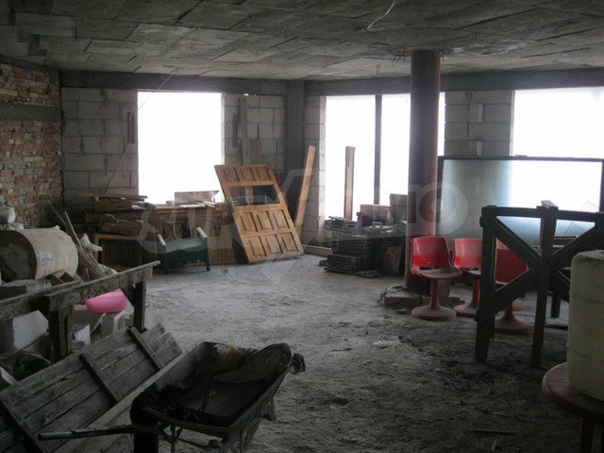 Бизнес имот на 3 етажа във Велико Търново 25