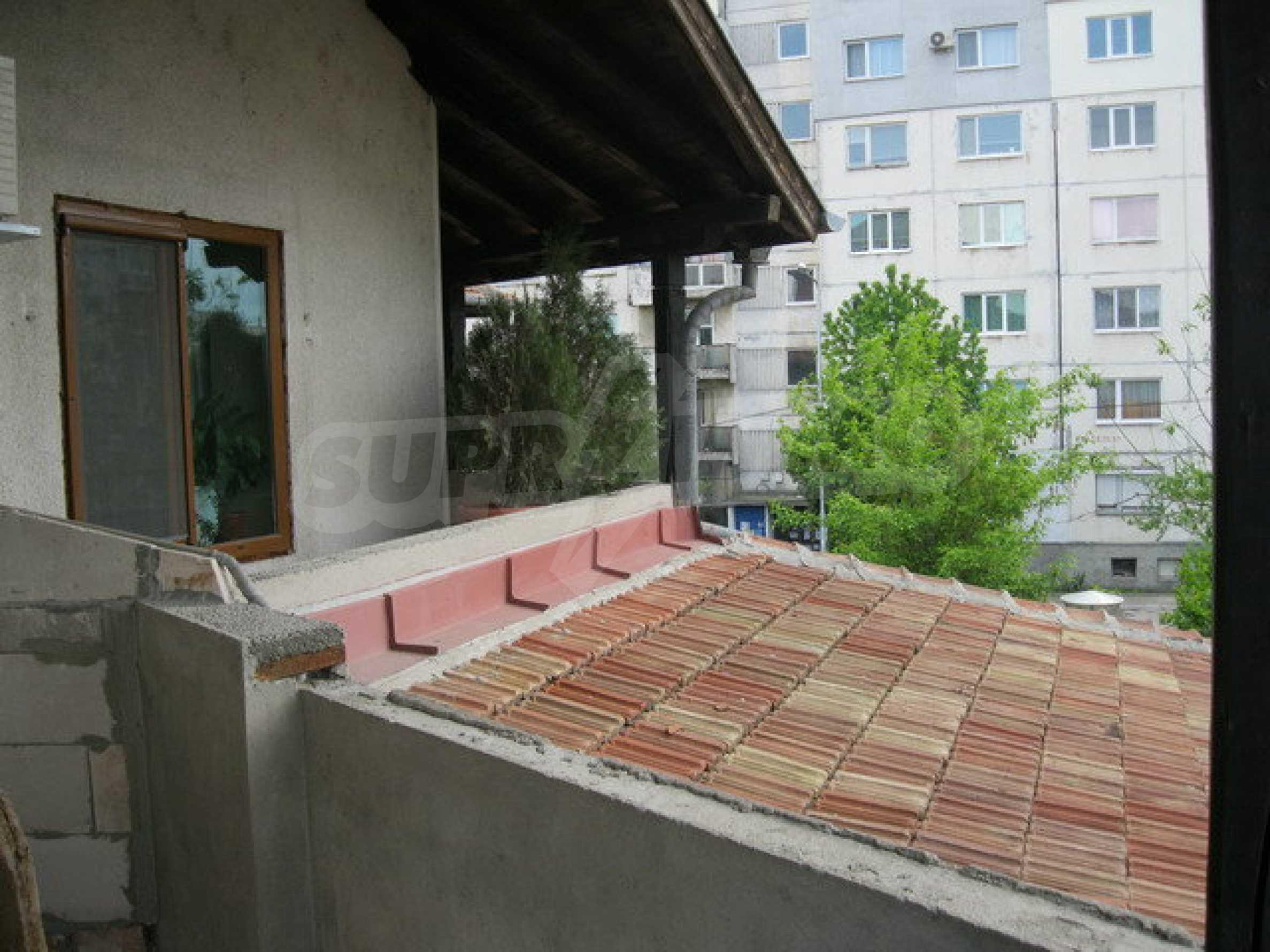 Бизнес имот на 3 етажа във Велико Търново 26