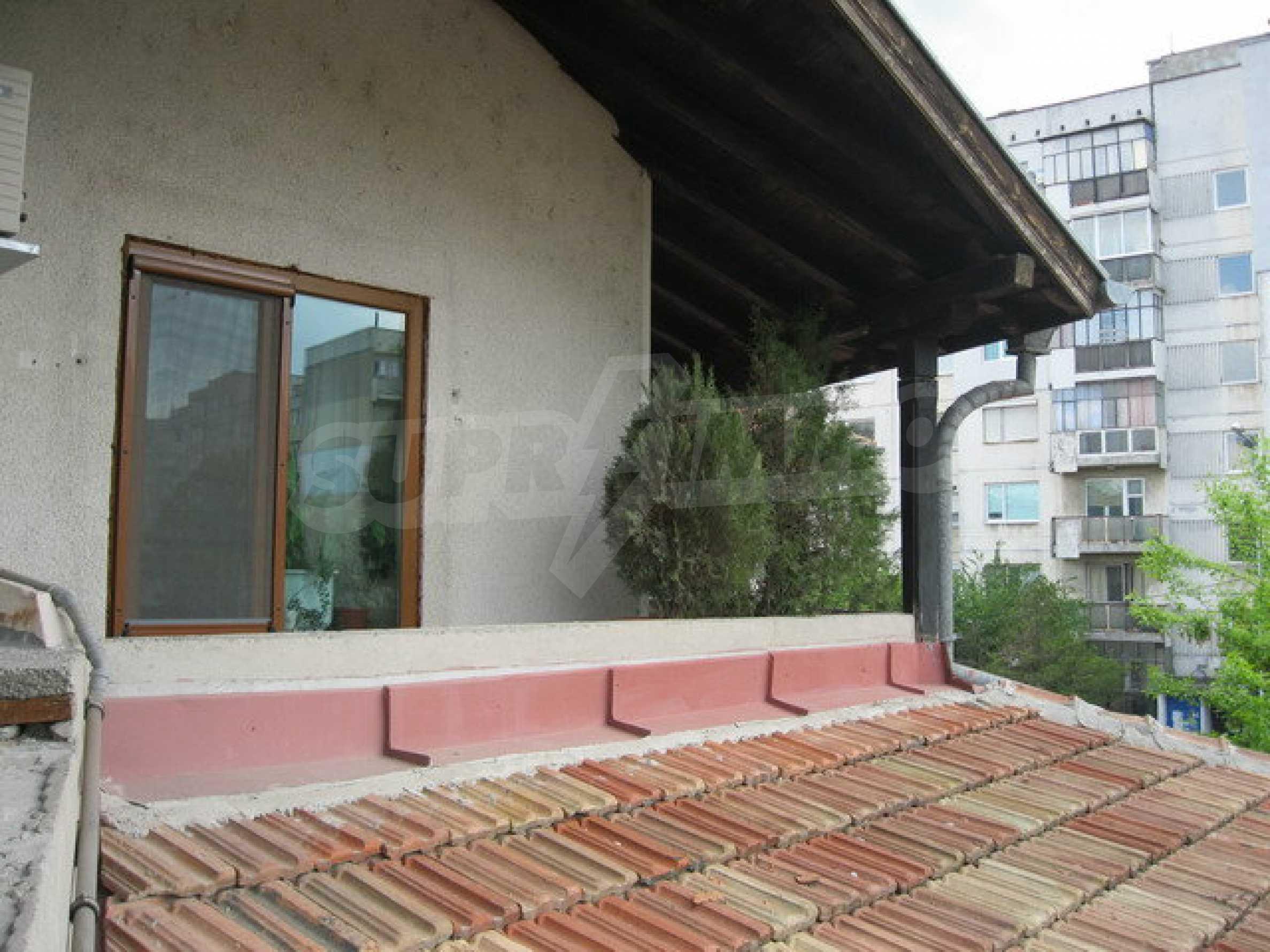 Бизнес имот на 3 етажа във Велико Търново 27