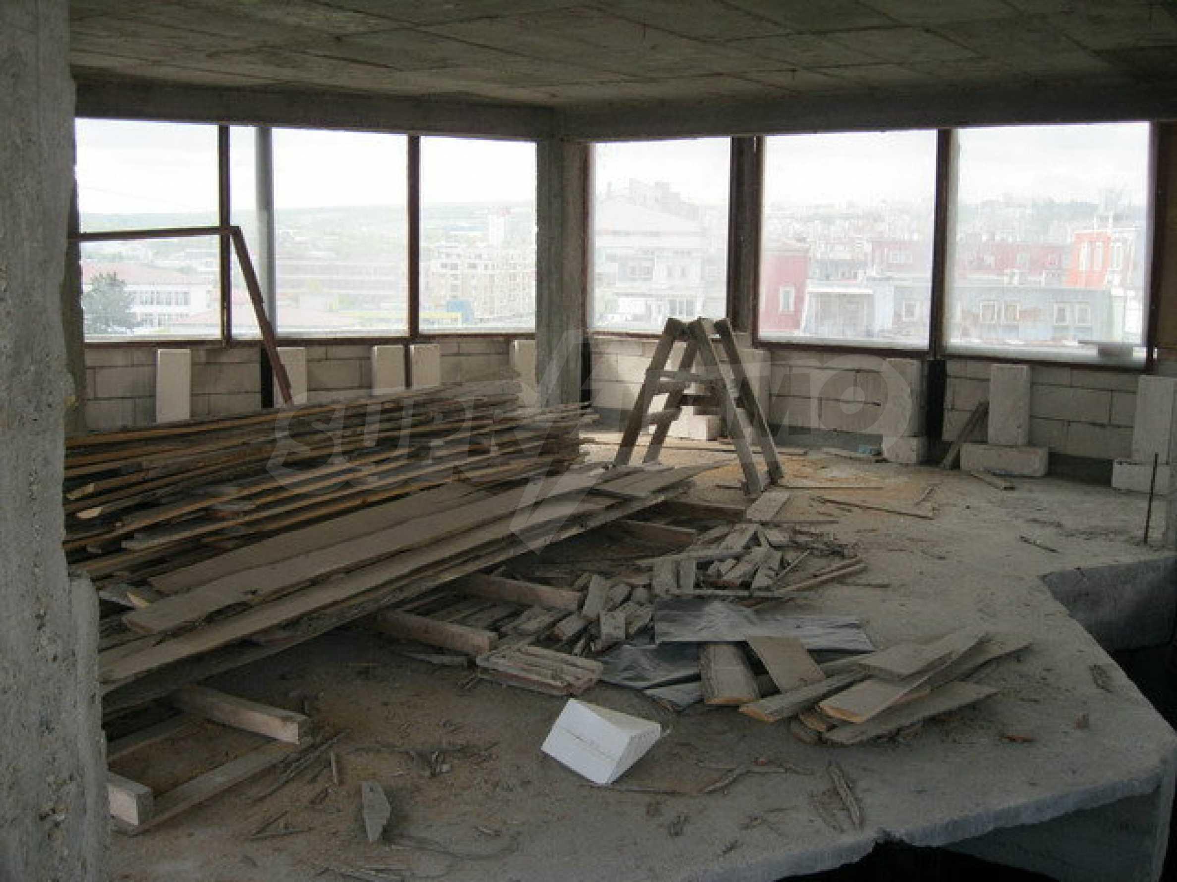Бизнес имот на 3 етажа във Велико Търново 33