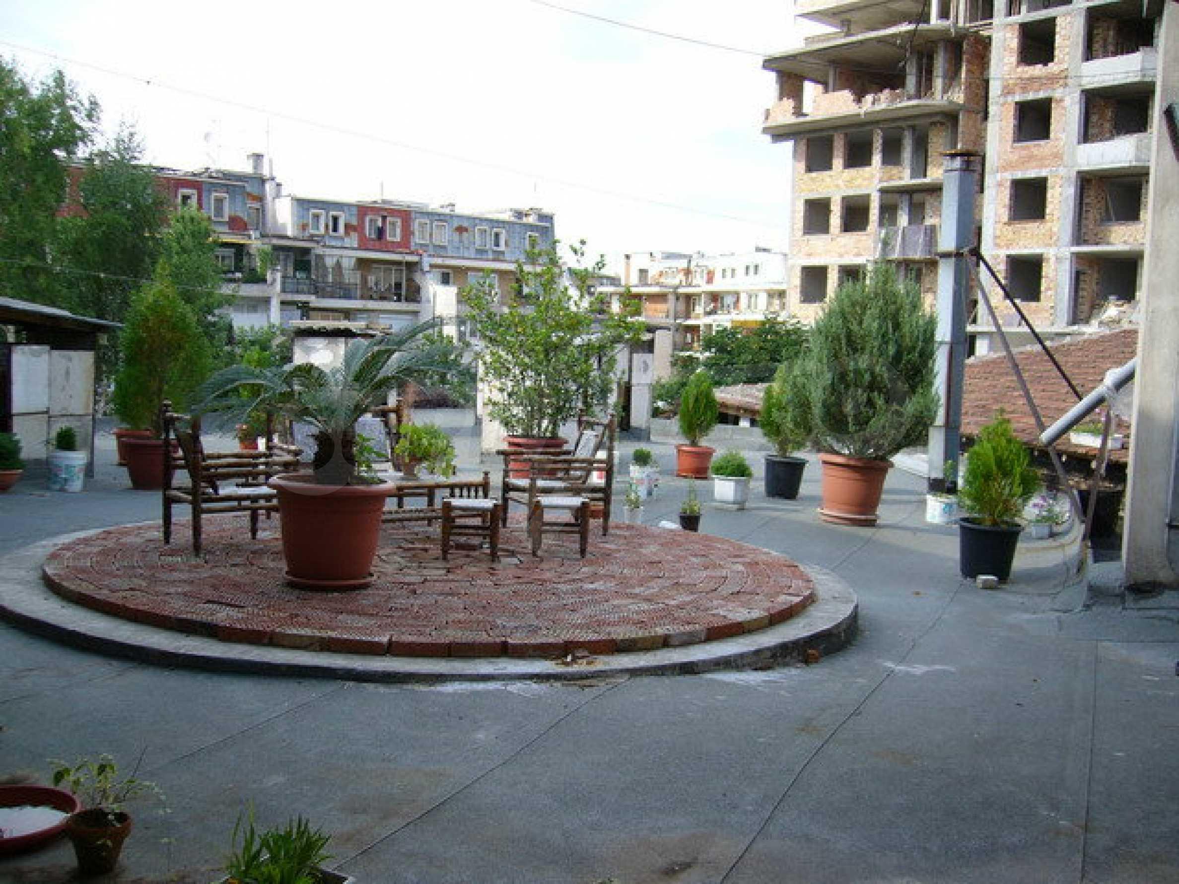 Бизнес имот на 3 етажа във Велико Търново 36
