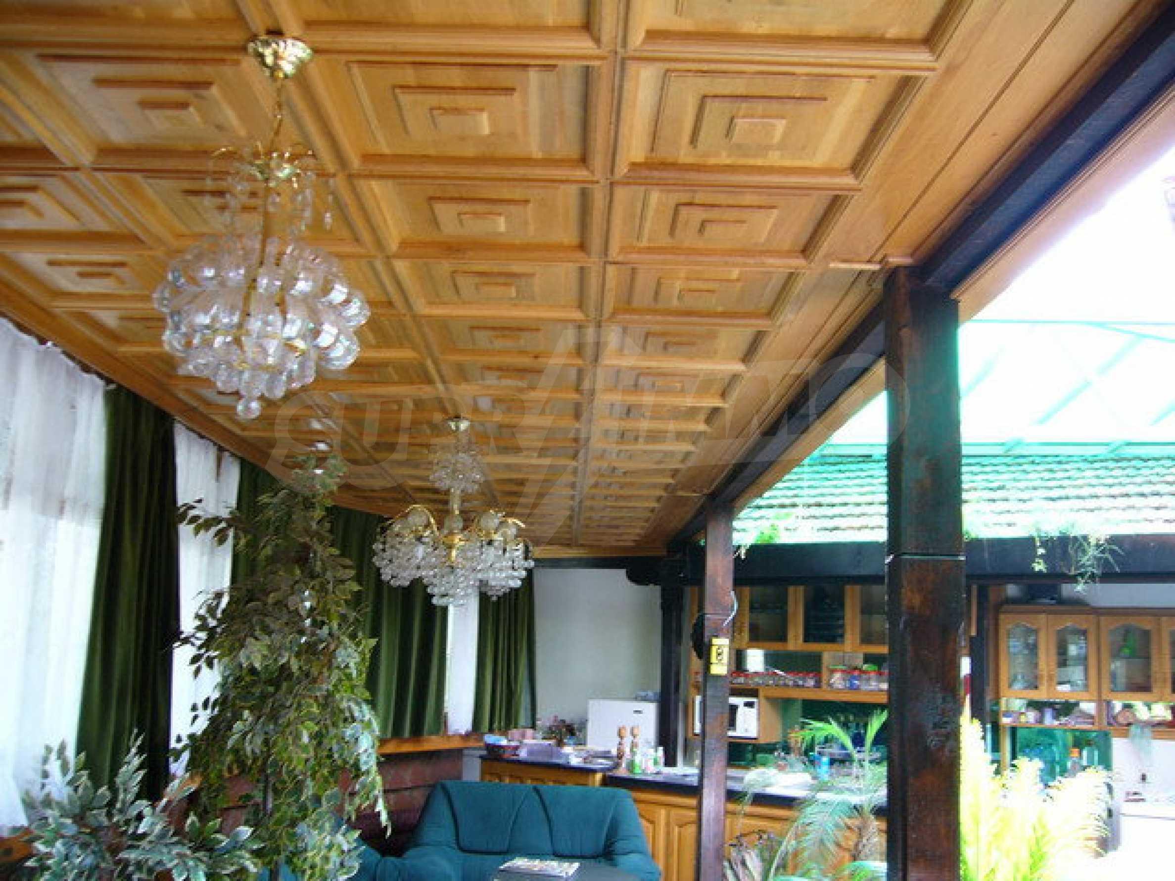 Бизнес имот на 3 етажа във Велико Търново 39
