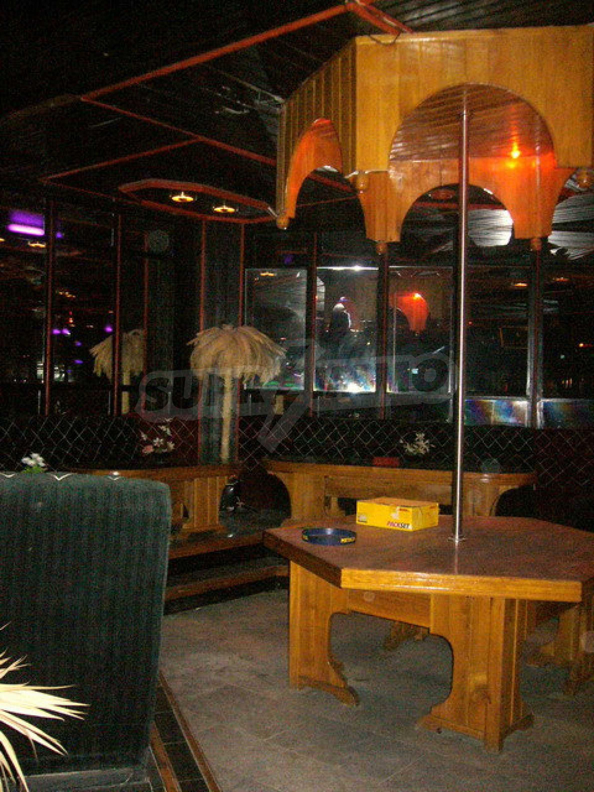 Бизнес имот на 3 етажа във Велико Търново 42